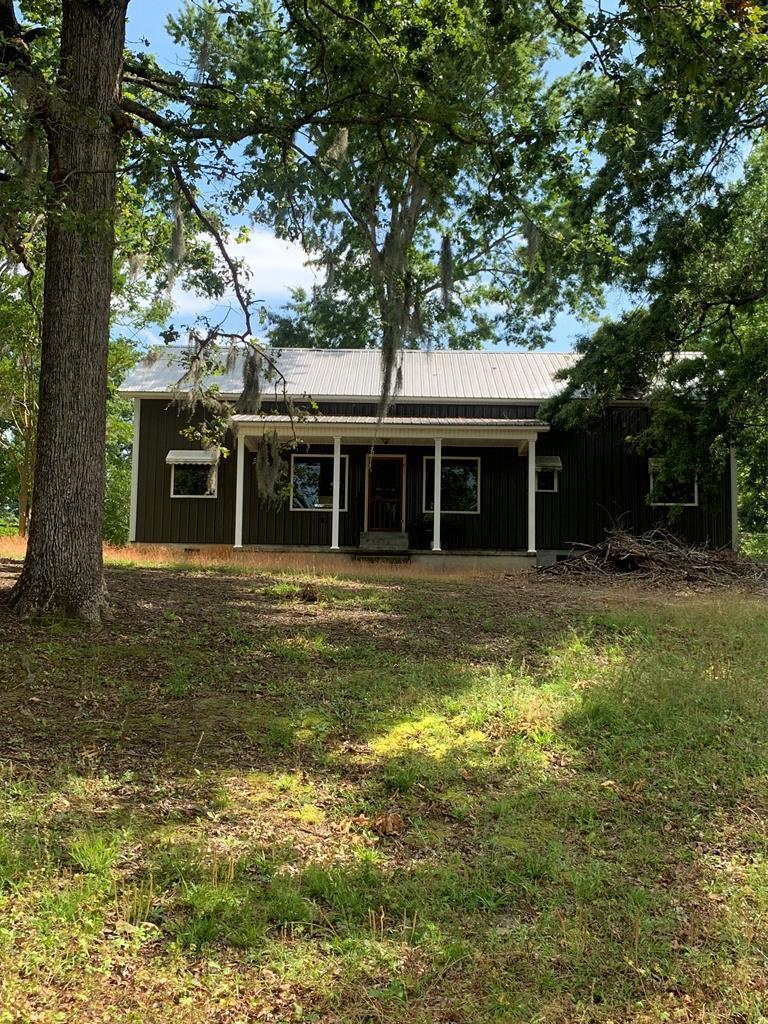 1400 Harbor House Drive Manning, SC 29102