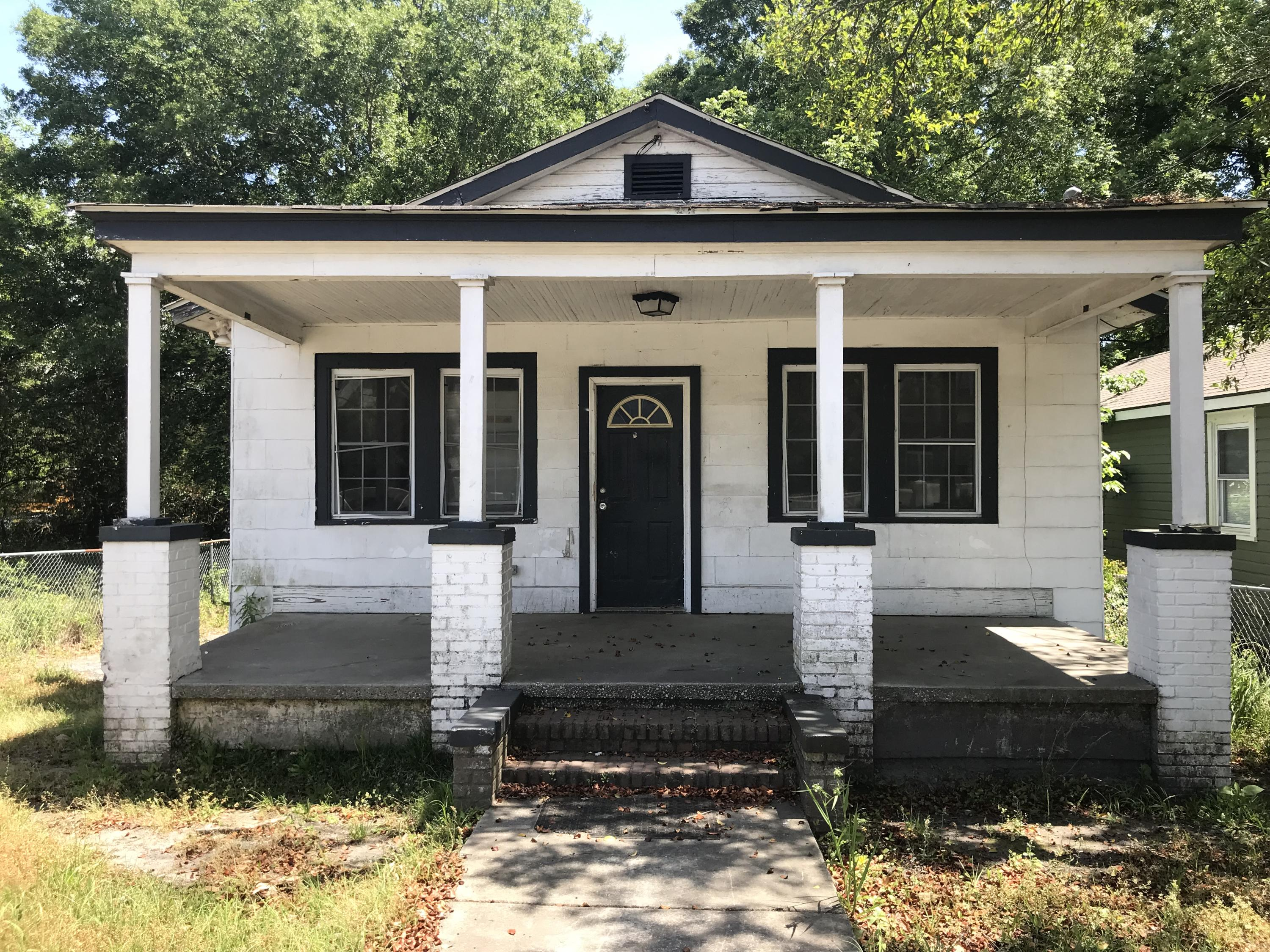 4516 Durant Avenue North Charleston, SC 29405