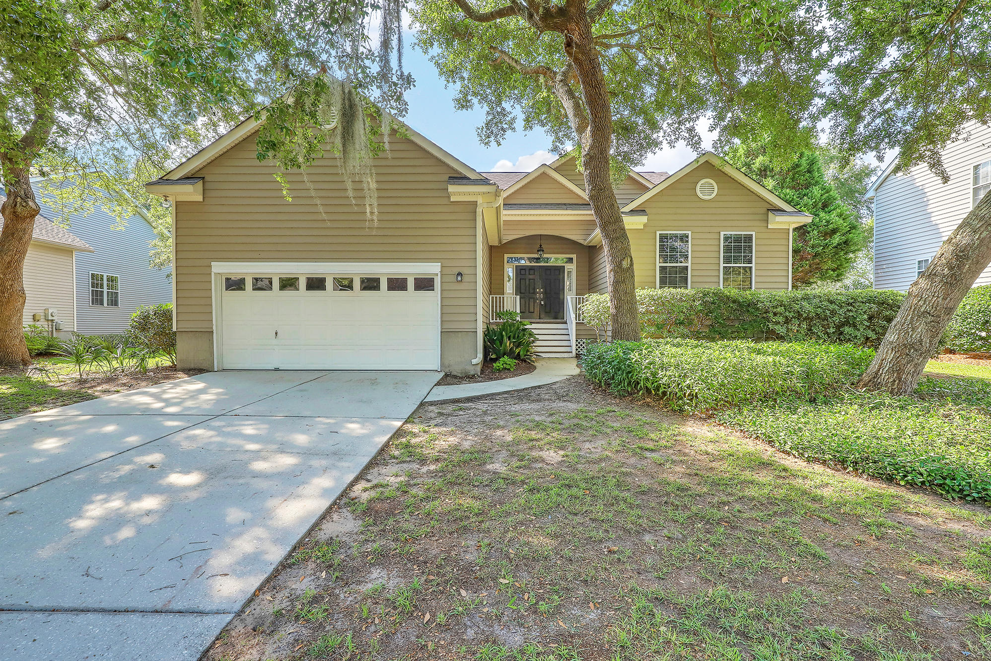 1244 Palmetto Peninsula Drive Mount Pleasant, SC 29464