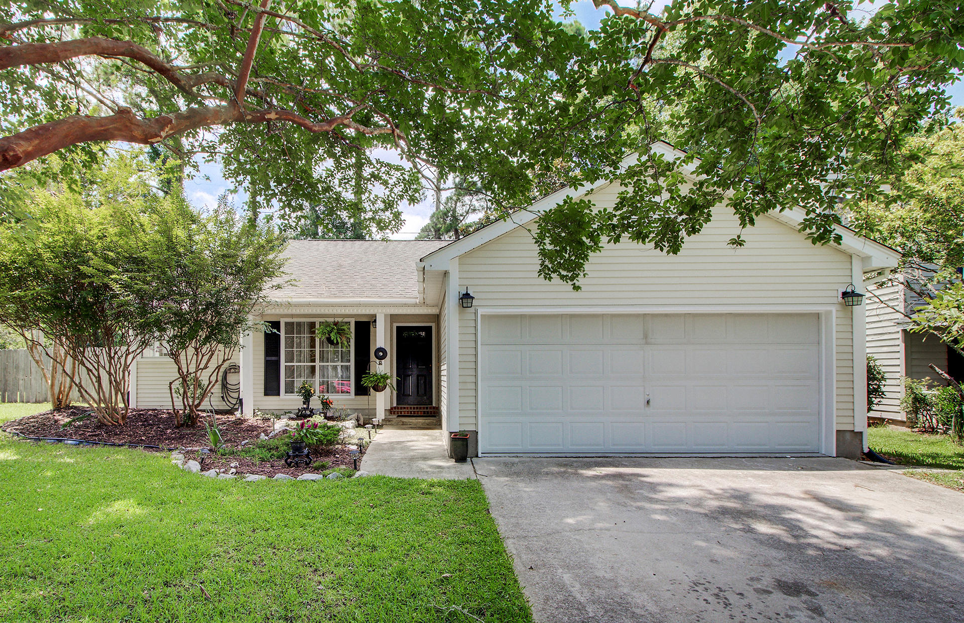 348 Kingston Lane Mount Pleasant, SC 29464
