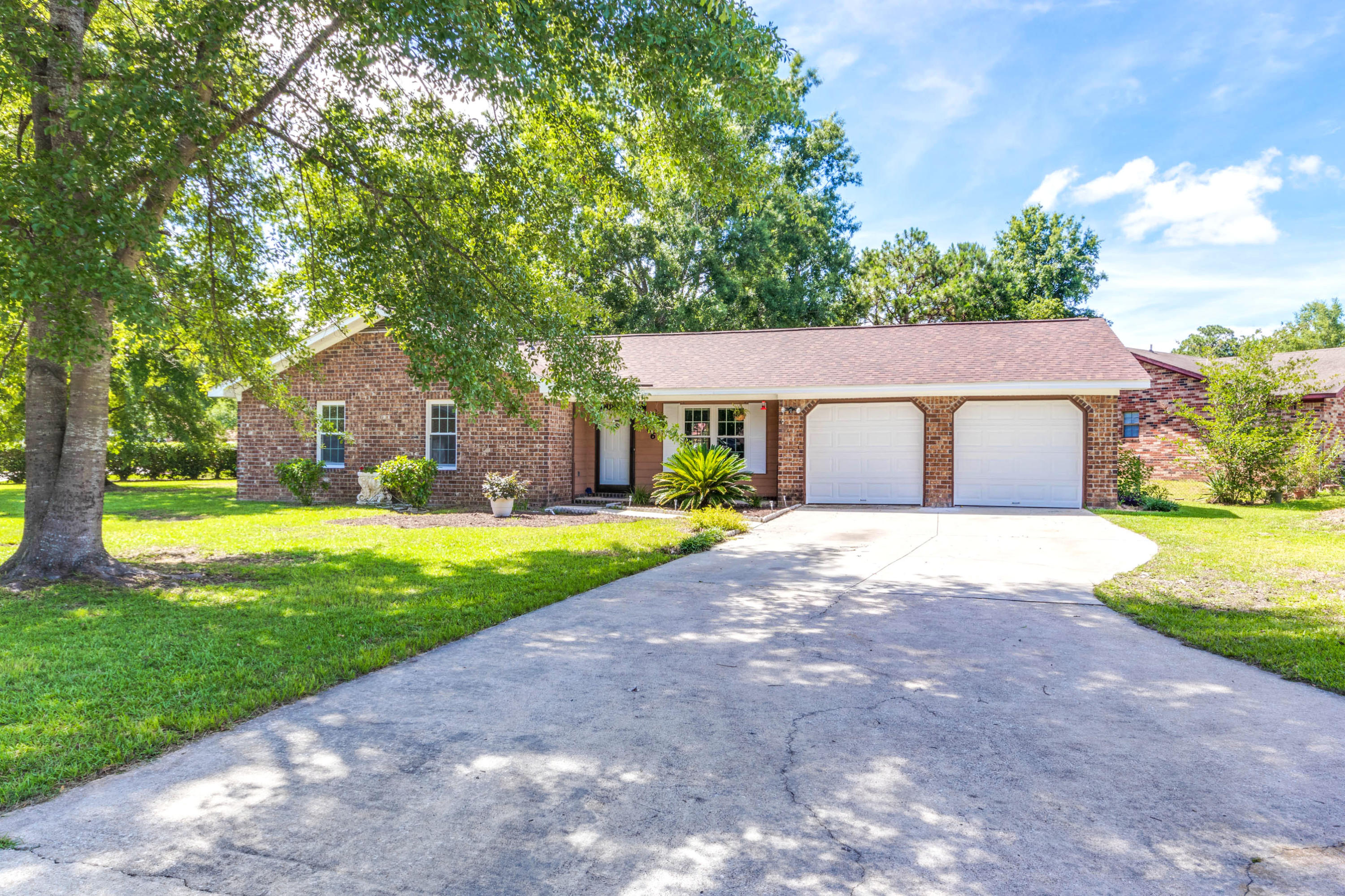 416 Surfside Drive Goose Creek, SC 29445