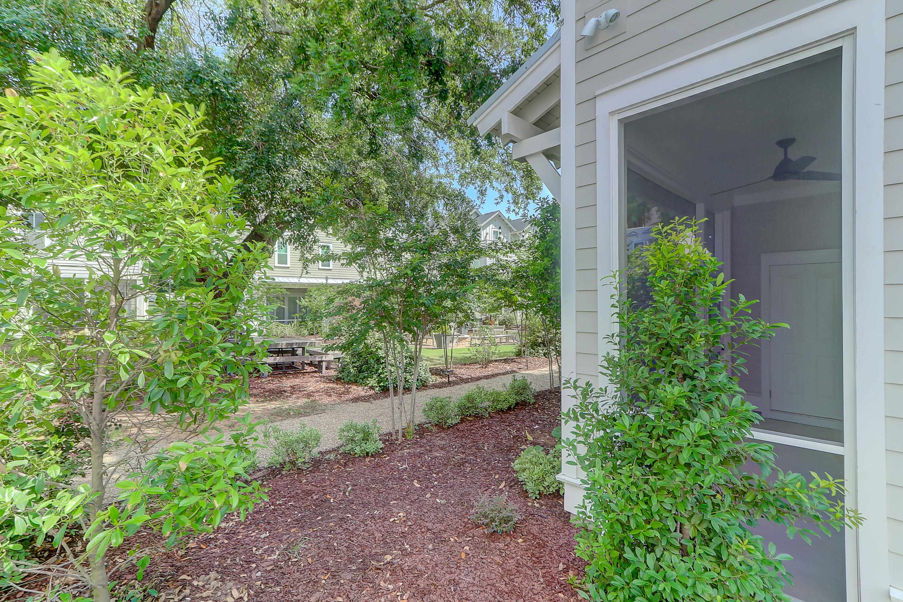 105 Bratton Circle Mount Pleasant, SC 29464