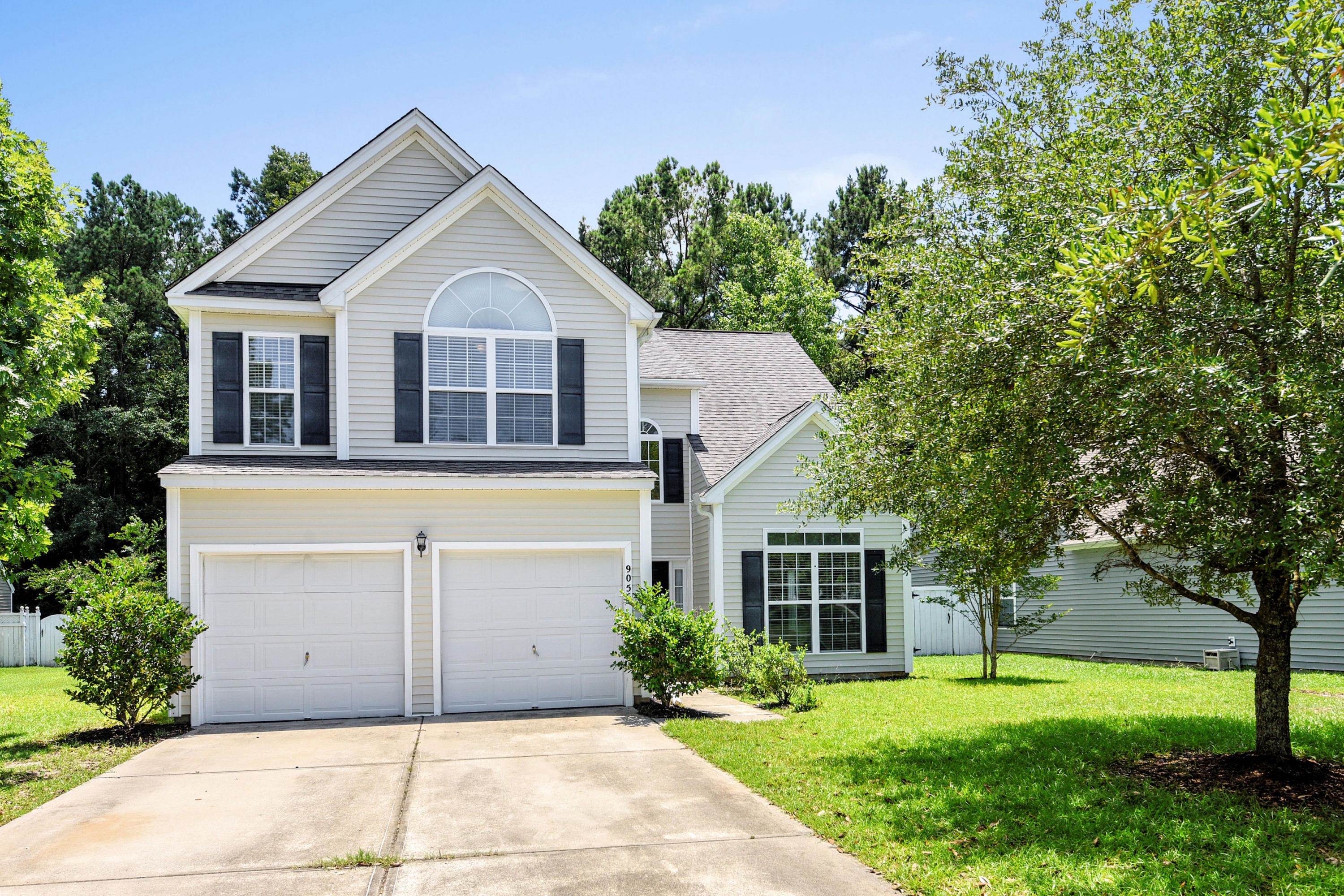 9056 Pickett Fence Lane Summerville, SC 29485