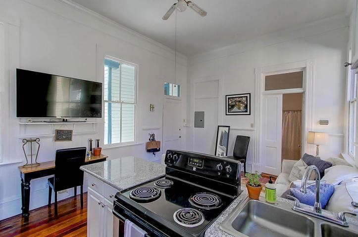 67 Warren Street Charleston, SC 29403