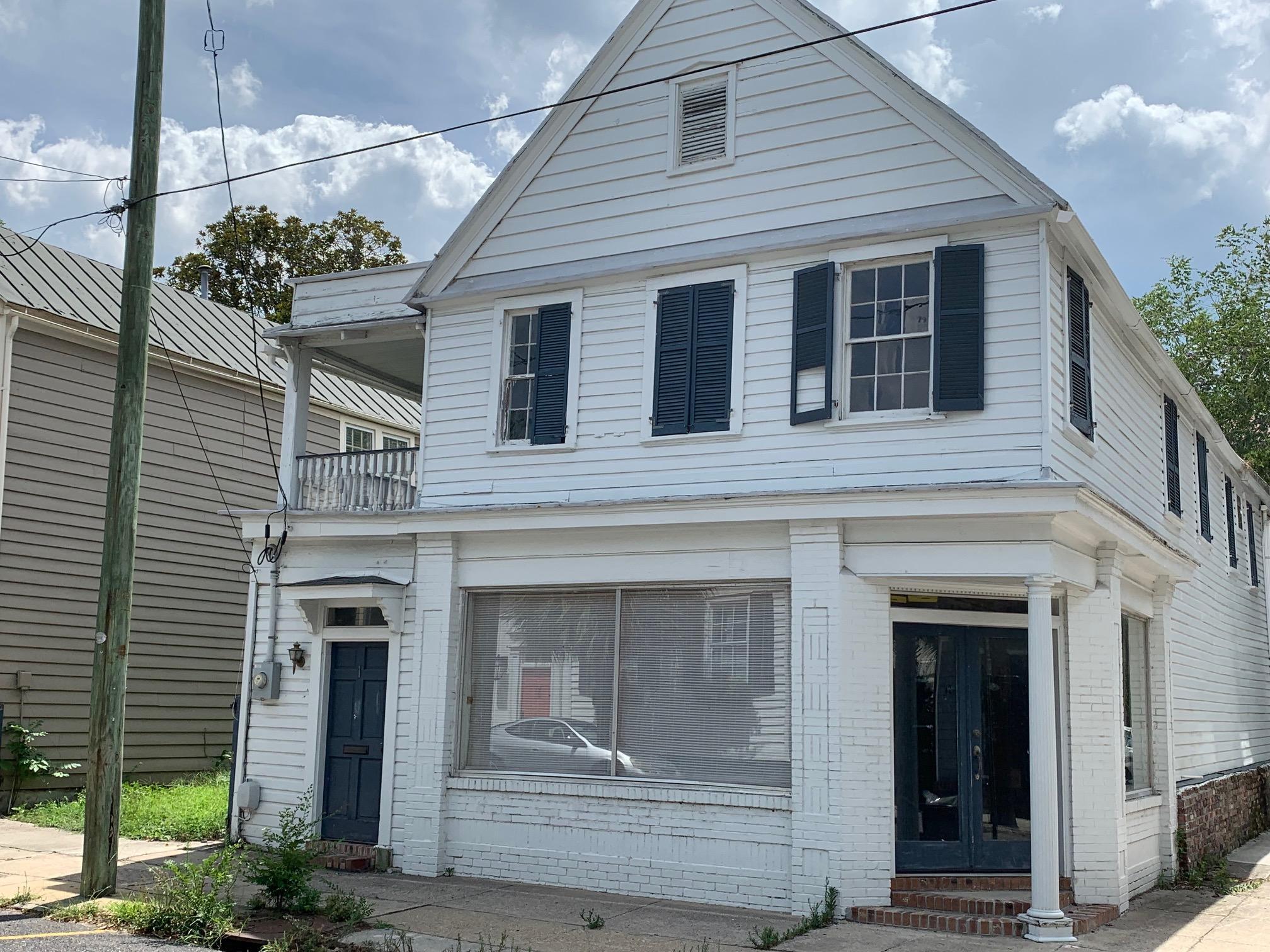 1 Council Street Charleston, SC 29401