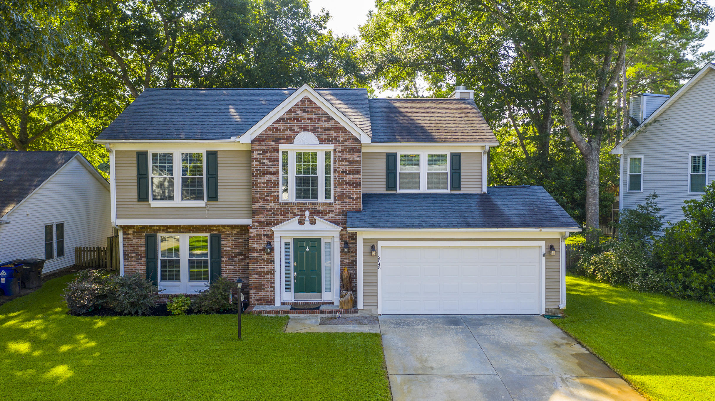2045 Country Manor Drive Mount Pleasant, SC 29466