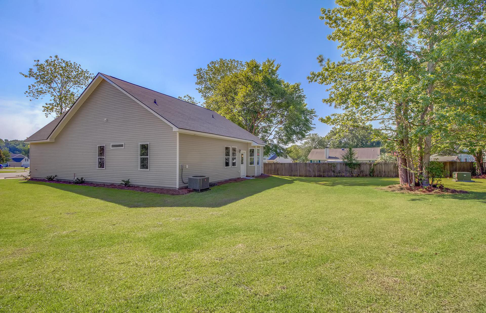 135 Egret Lane Goose Creek, SC 29445
