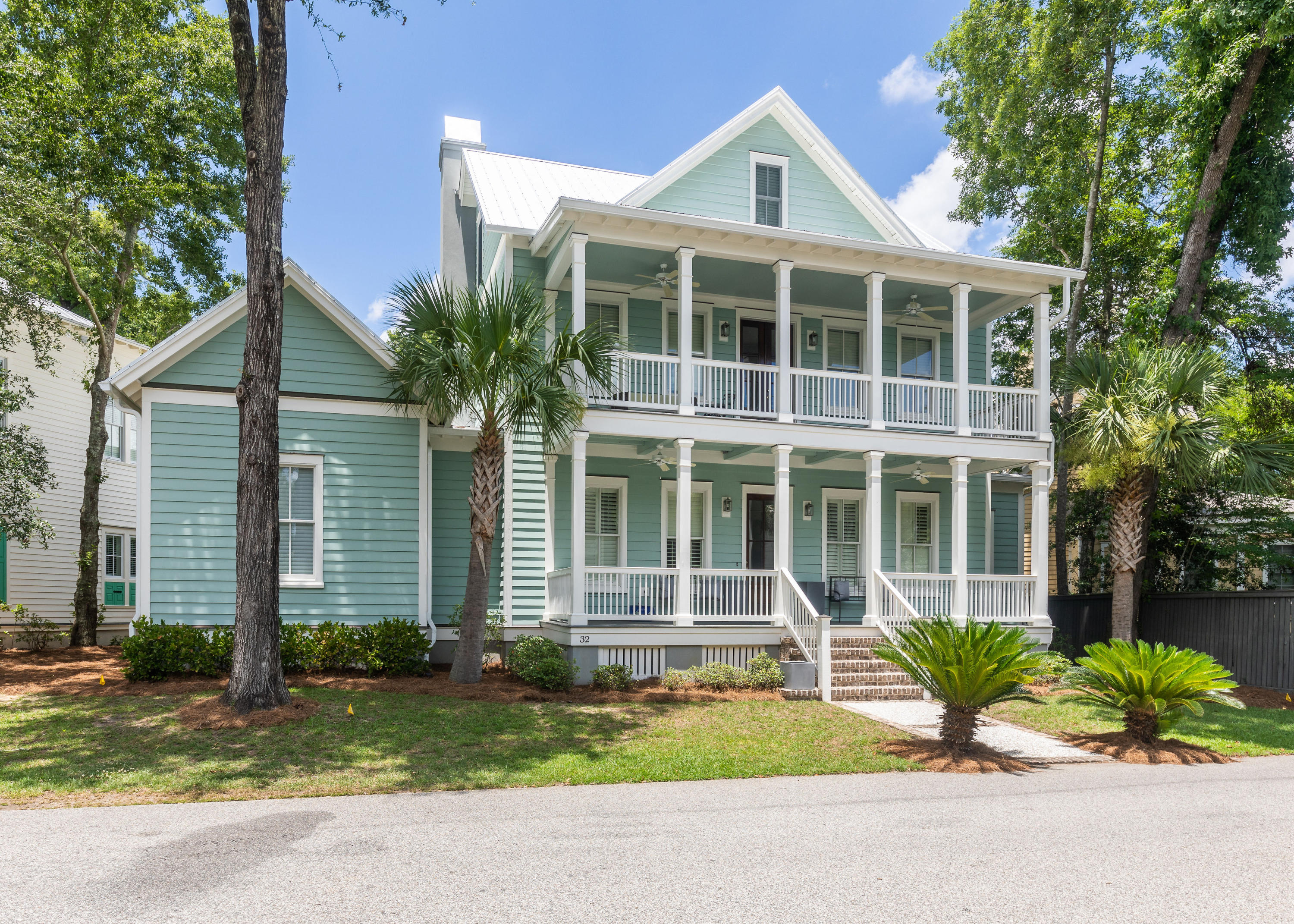 32 Robert Mills Circle Mount Pleasant, SC 29464