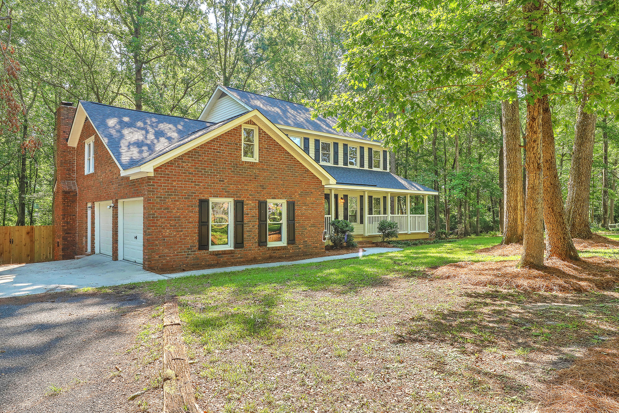 104 Paris Lane Summerville, Sc 29483