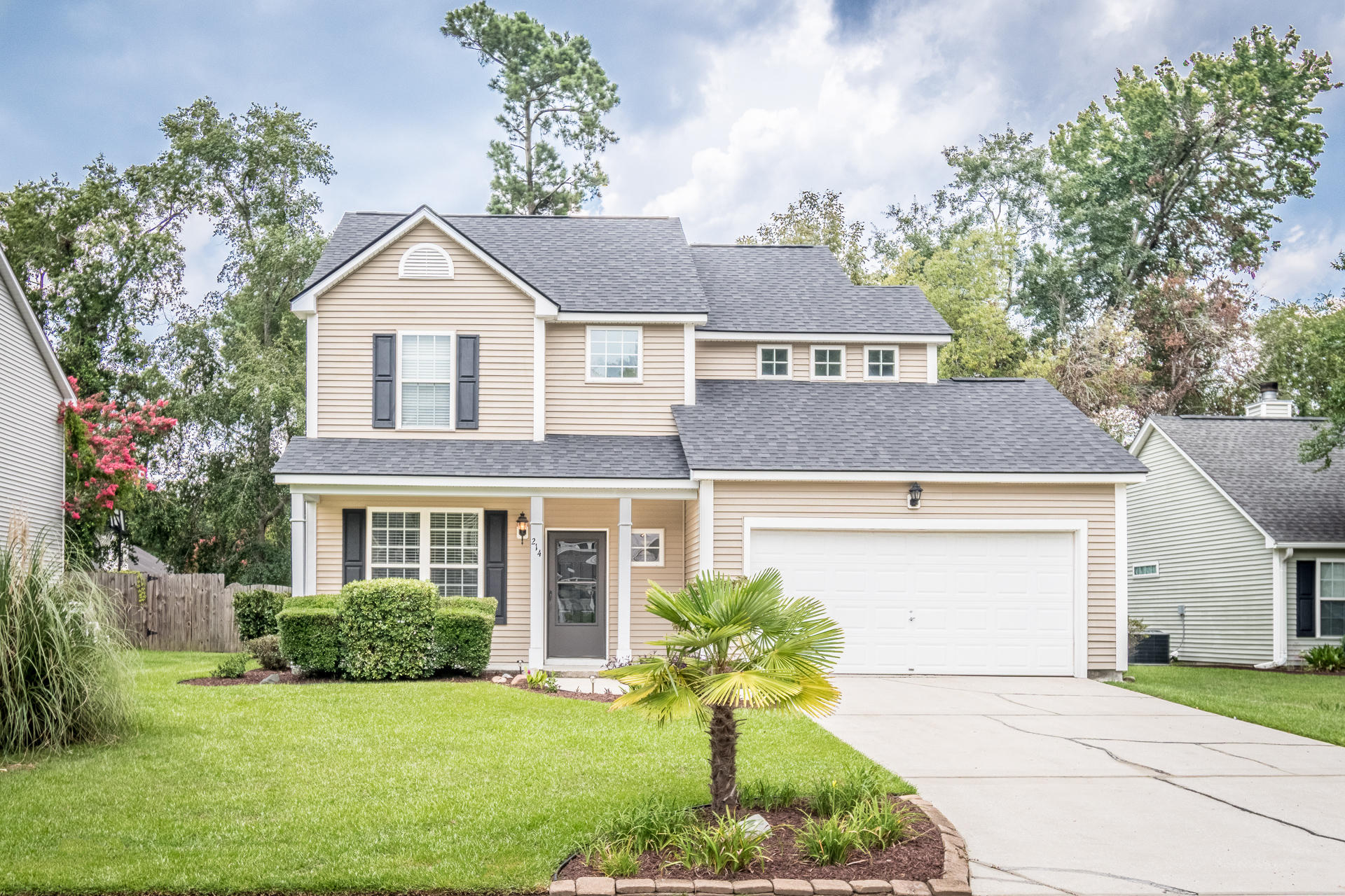 214 Ashford Circle Summerville, SC 29485