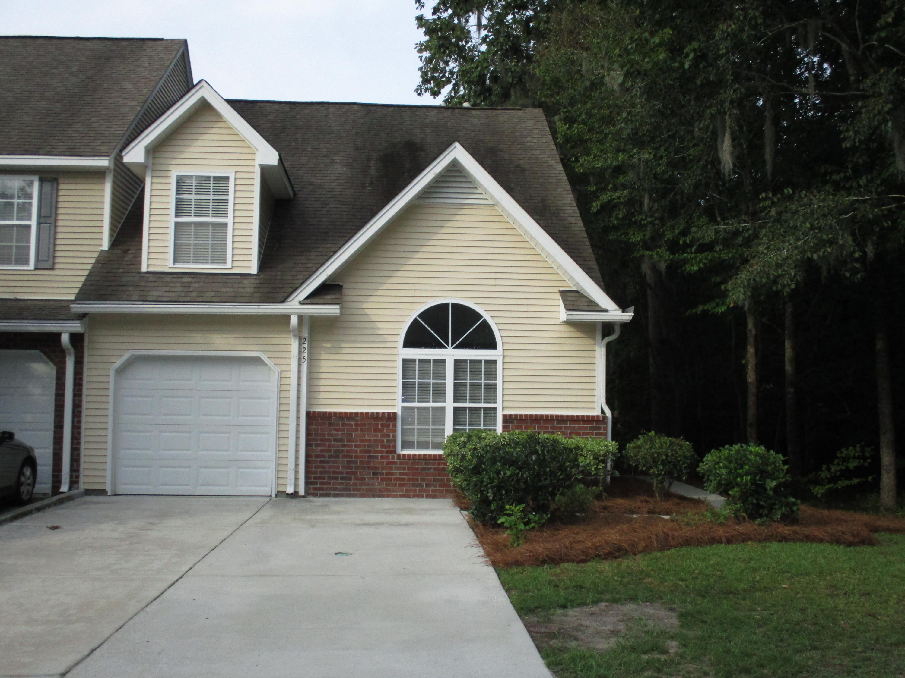 225 Darcy Avenue Goose Creek, Sc 29445