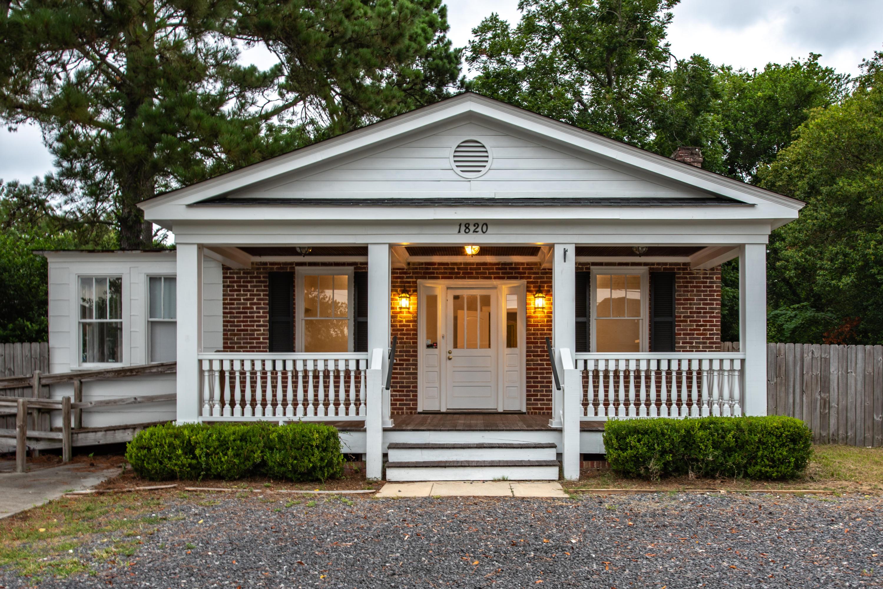 1820 1ST Drive Charleston, SC 29407