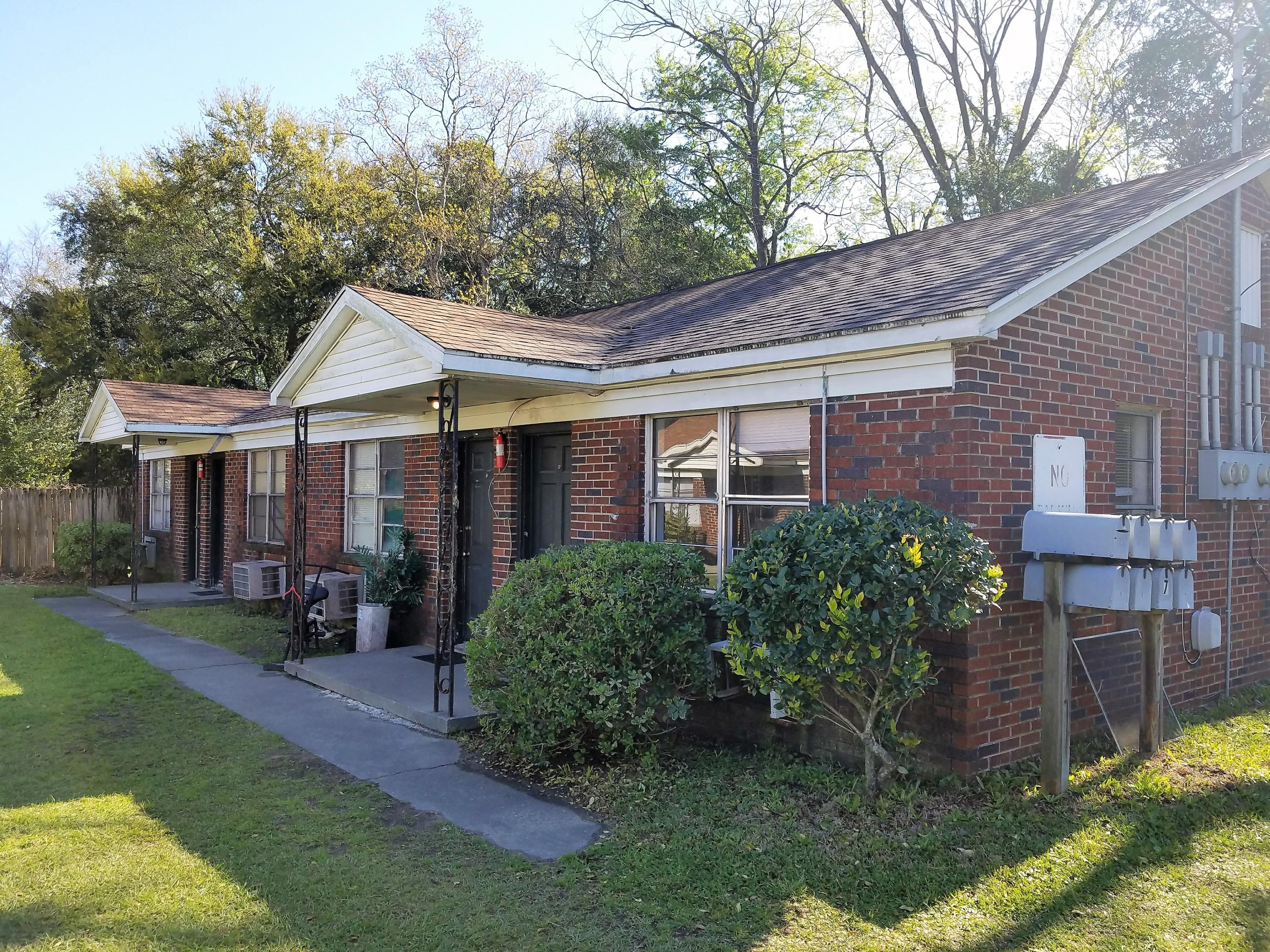 2782 Cody Street North Charleston, SC 29405