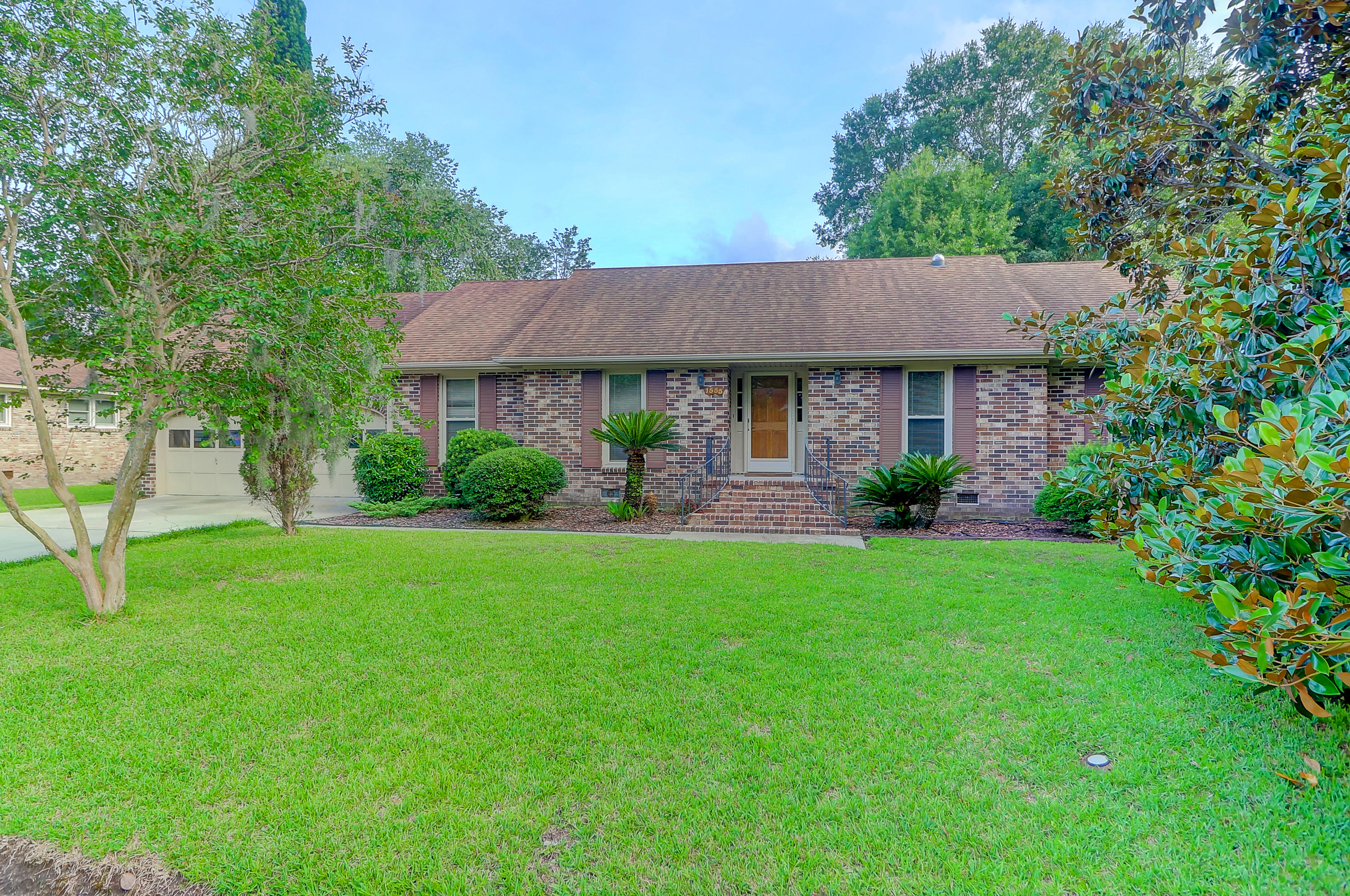 1555 Sanford Road Charleston, SC 29407