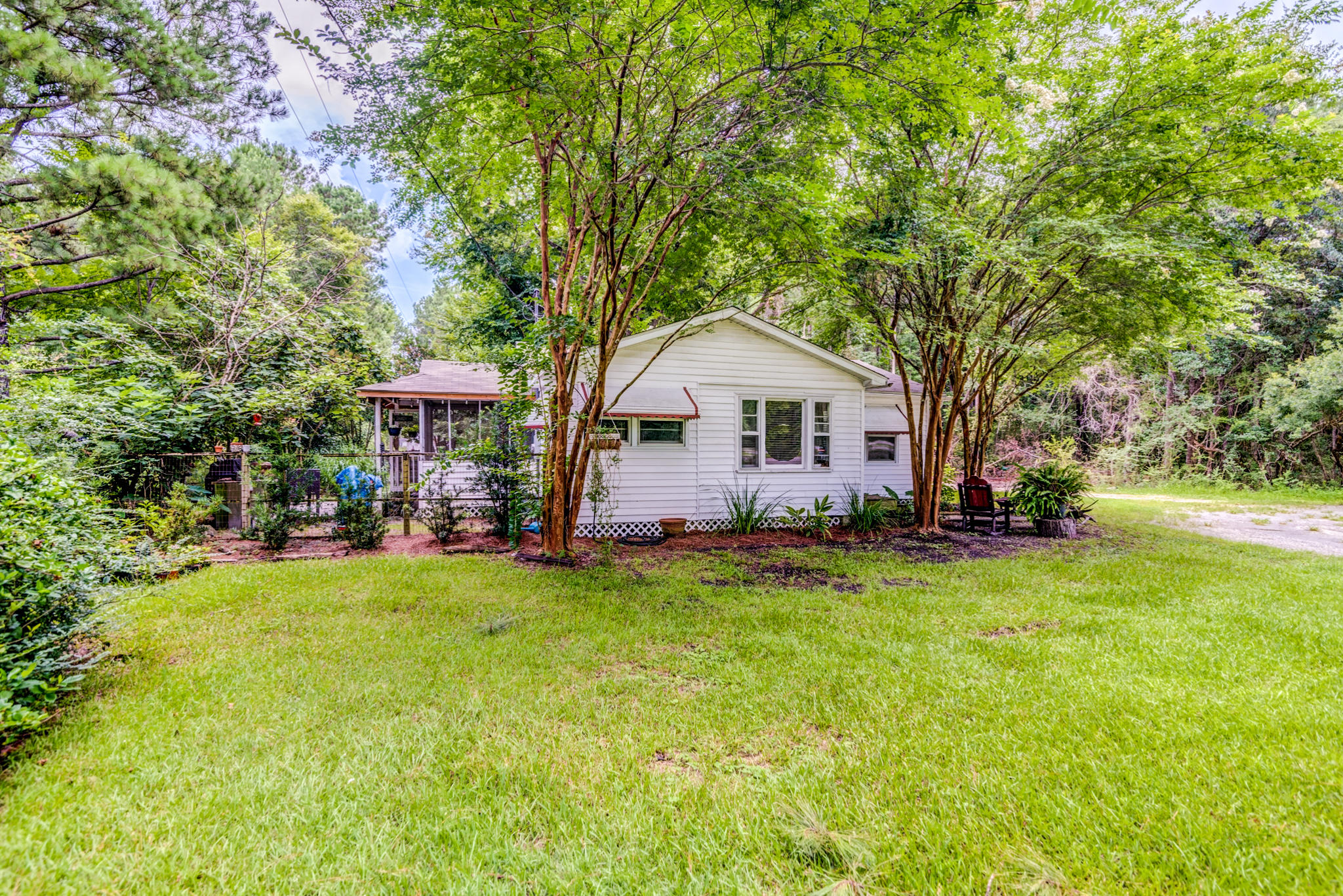 7477 N Highway 17 Awendaw, SC 29429