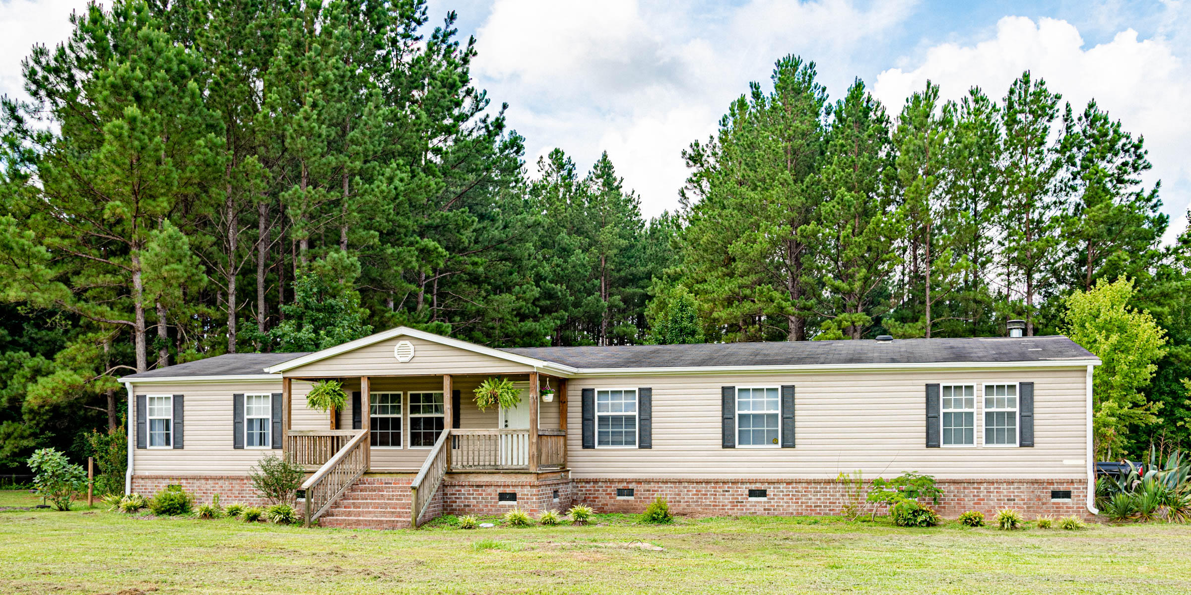 708 Harmony Hall Road Round O, SC 29474
