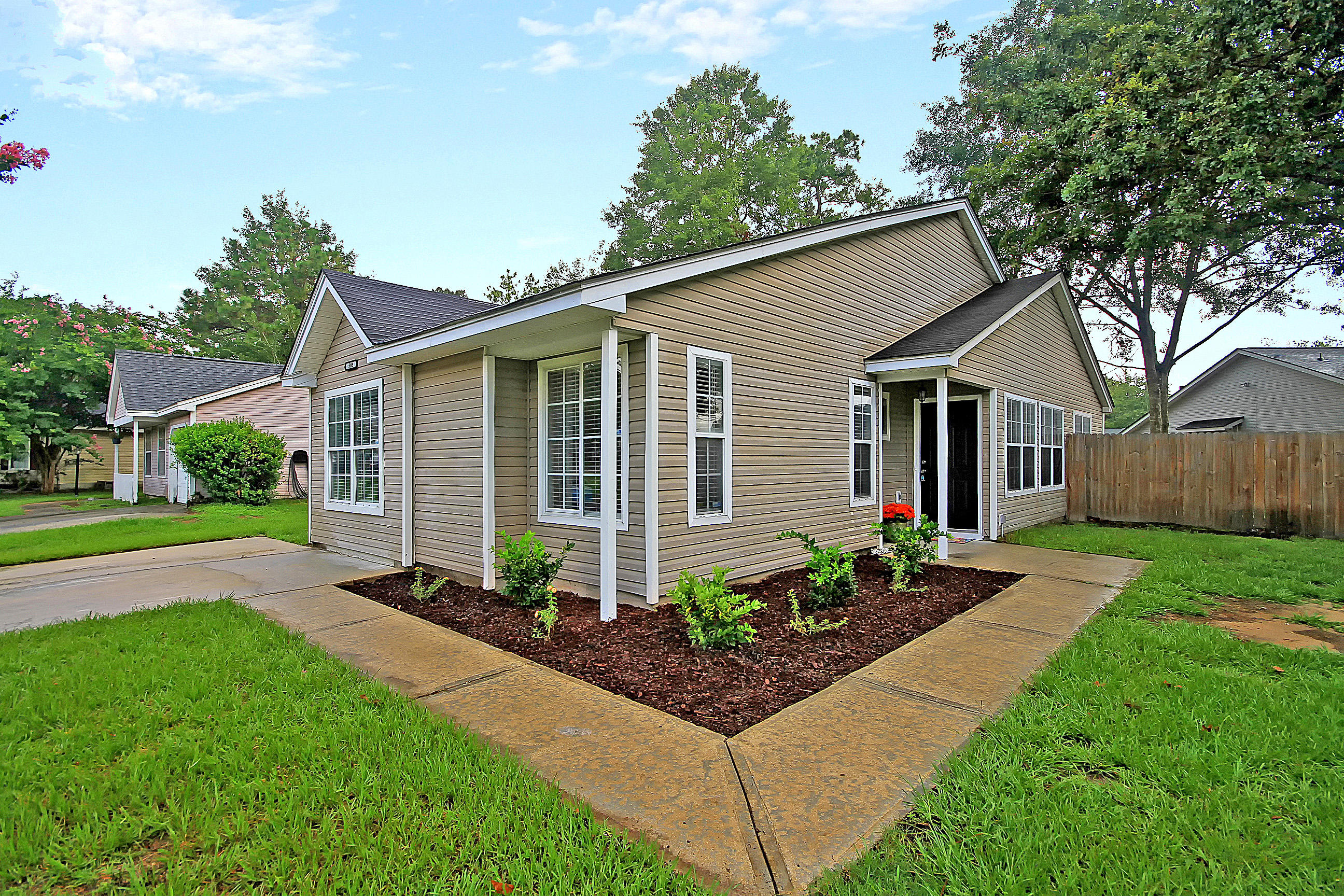 505 Hedge Way Summerville, SC 29486