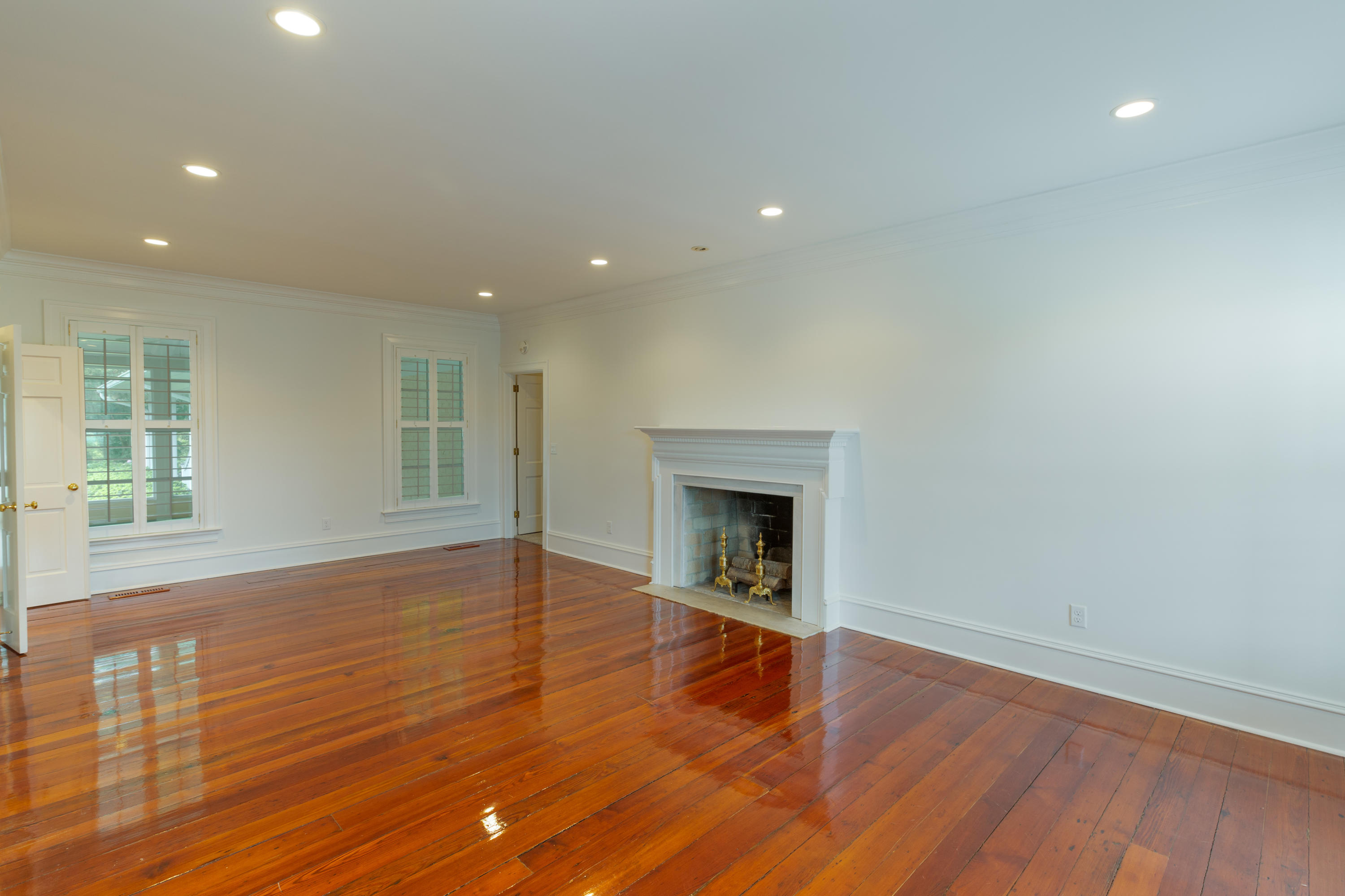 2 Farmfield Avenue Charleston, SC 29407