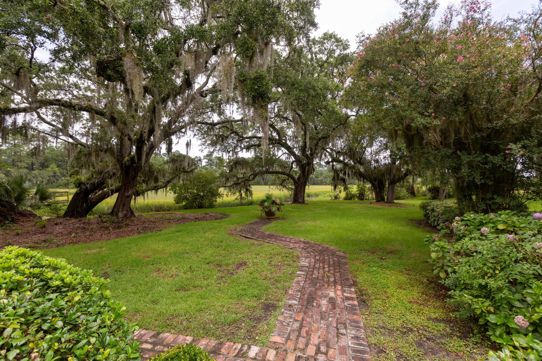 2 Farmfield Avenue Charleston, SC 29407