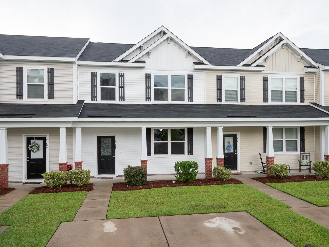 9211 Southern Oak Lane Ladson, SC 29456