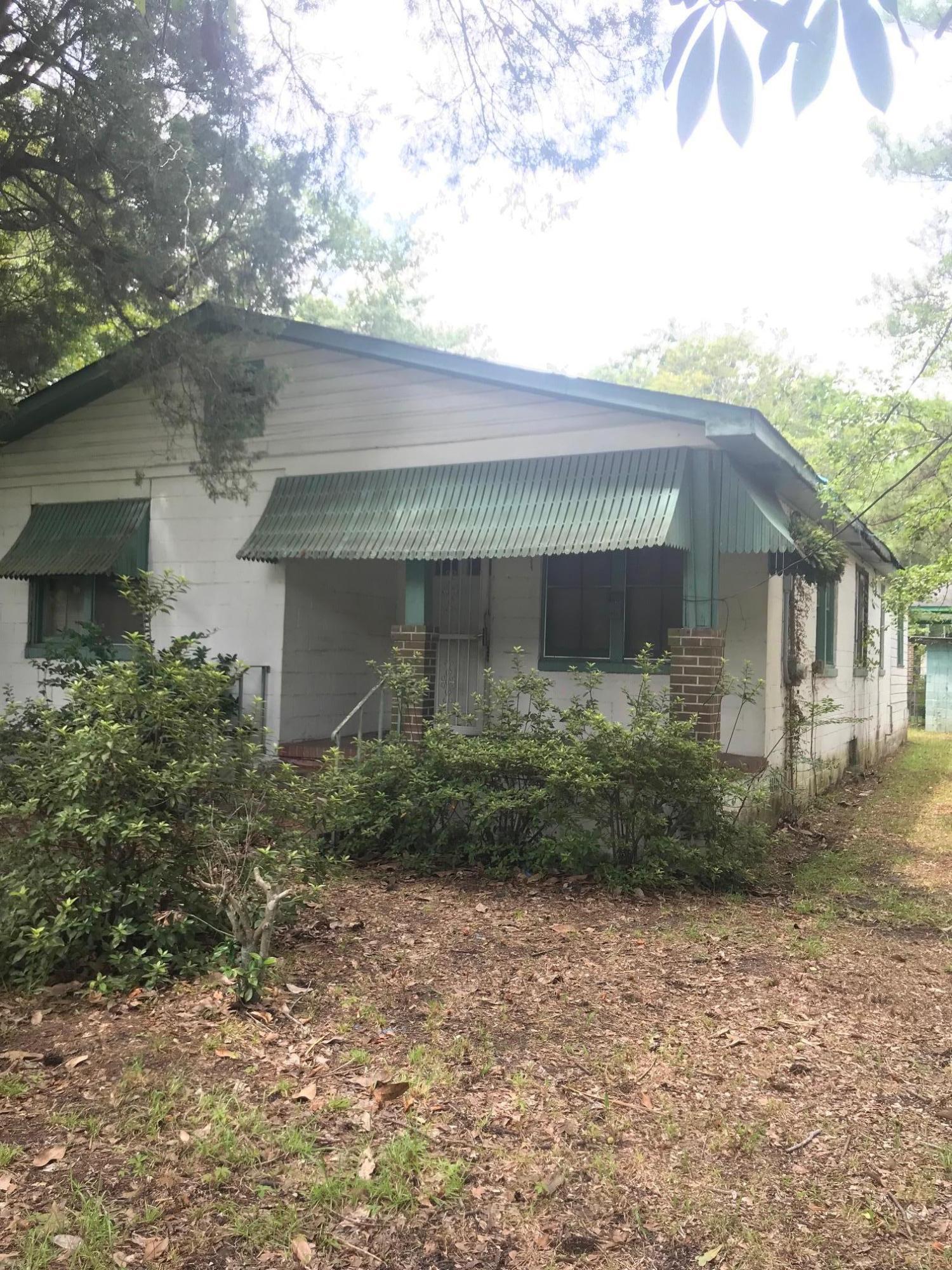 617 W 2nd North Street Summerville, SC 29483