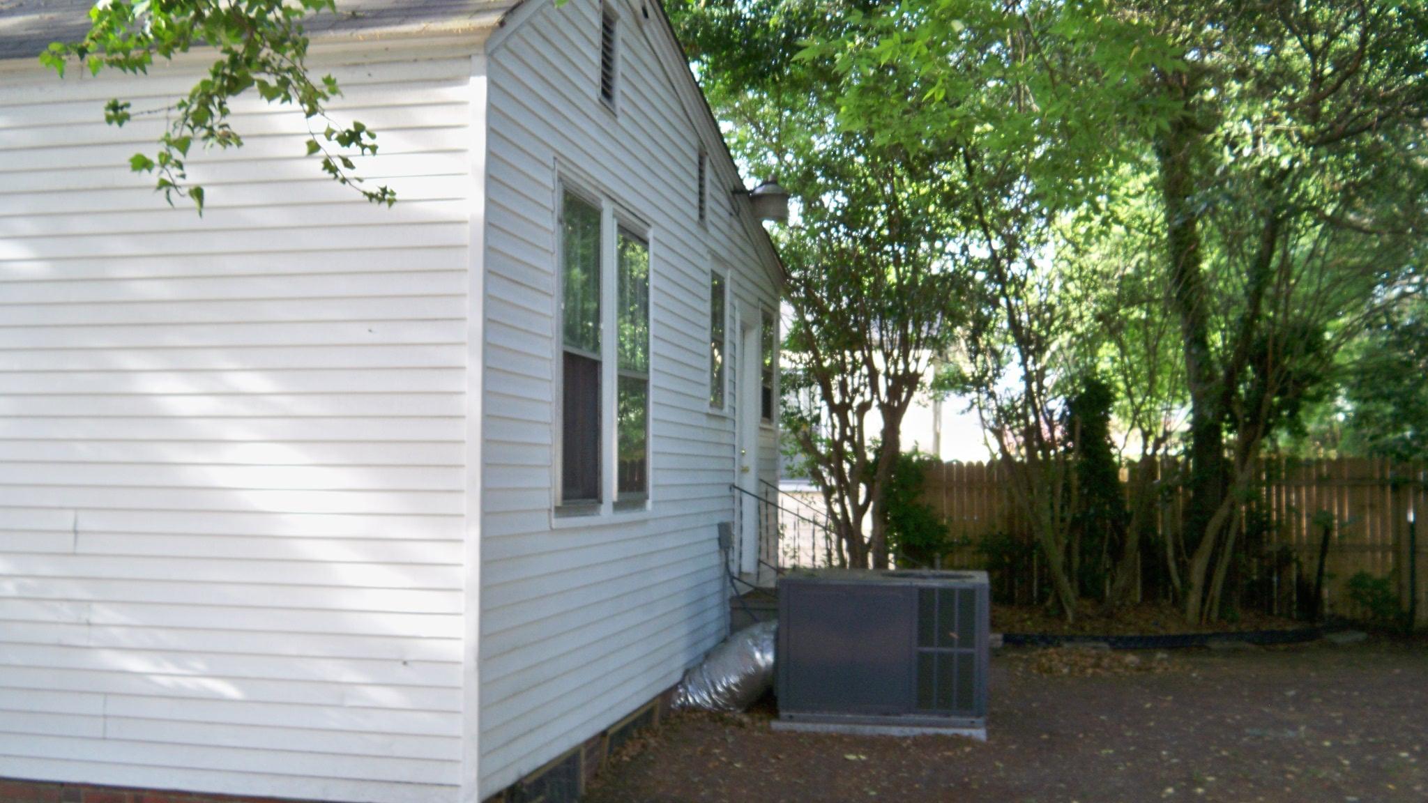 2139 Dorchester Road North Charleston, SC 29405