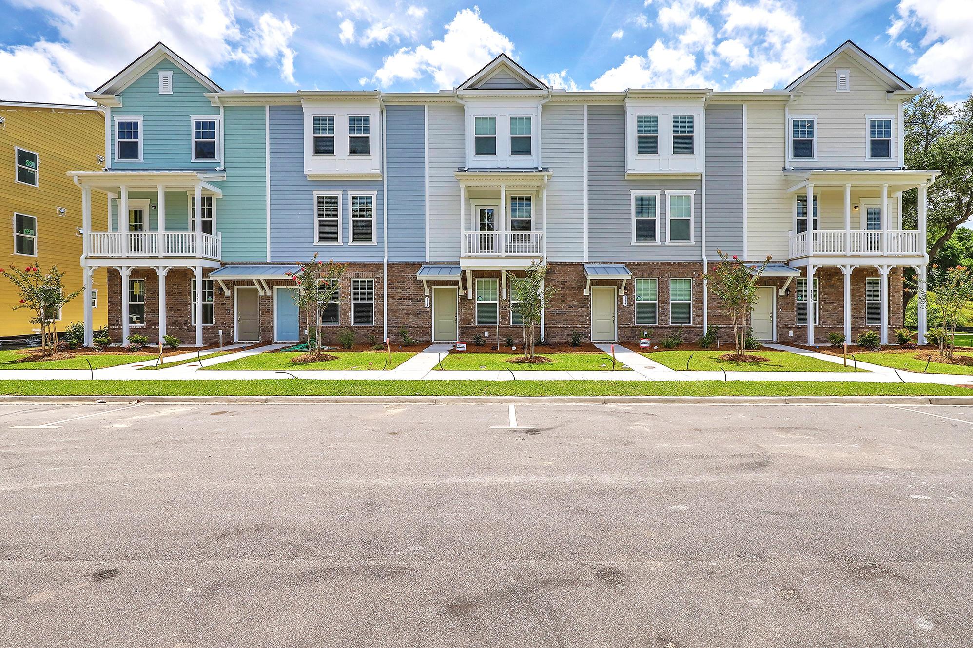105 Rowans Creek Drive Charleston, SC 29492