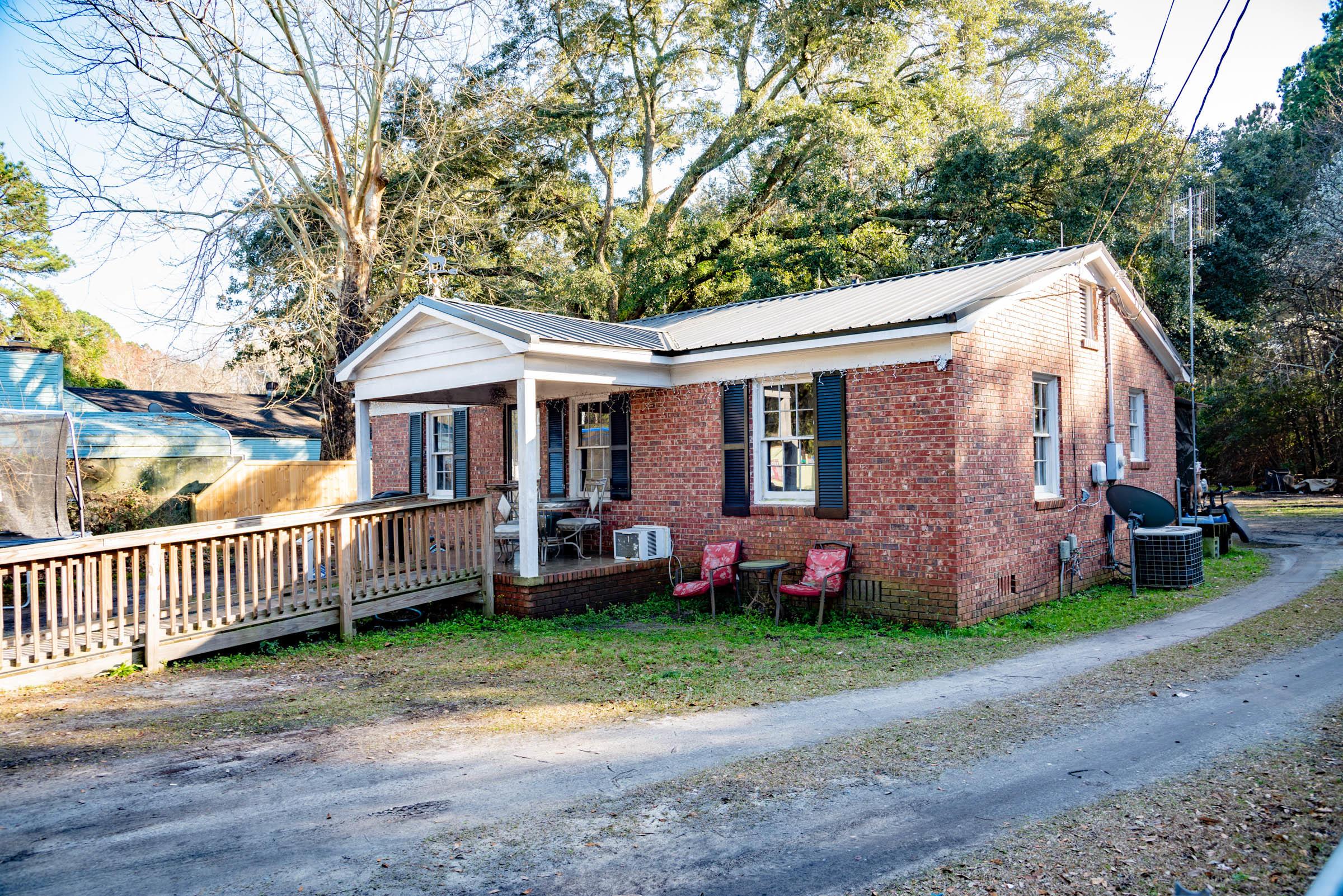 1532-A Hampton Street Walterboro, SC 29488