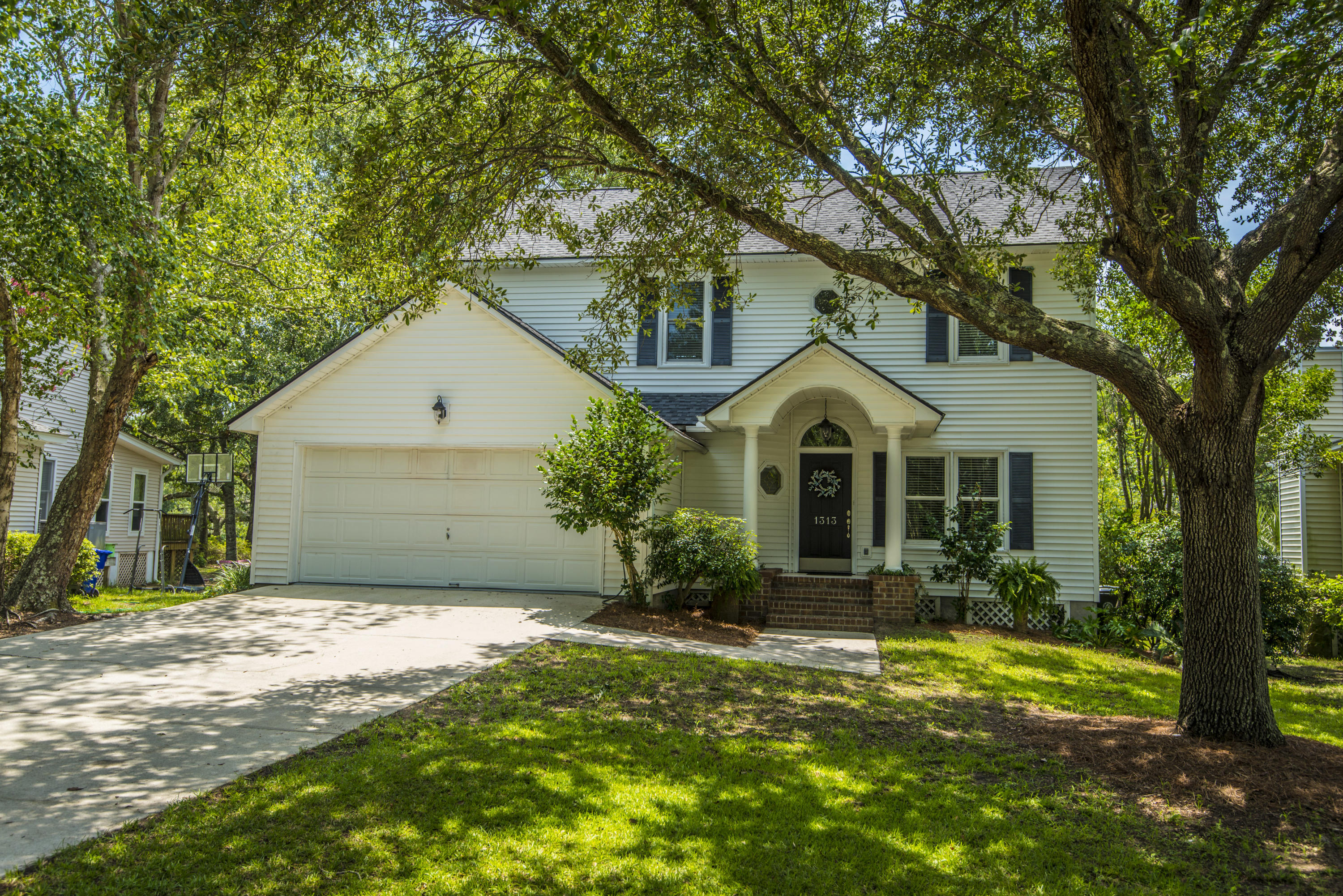 1313 Salt Marsh Cove Charleston, SC 29412