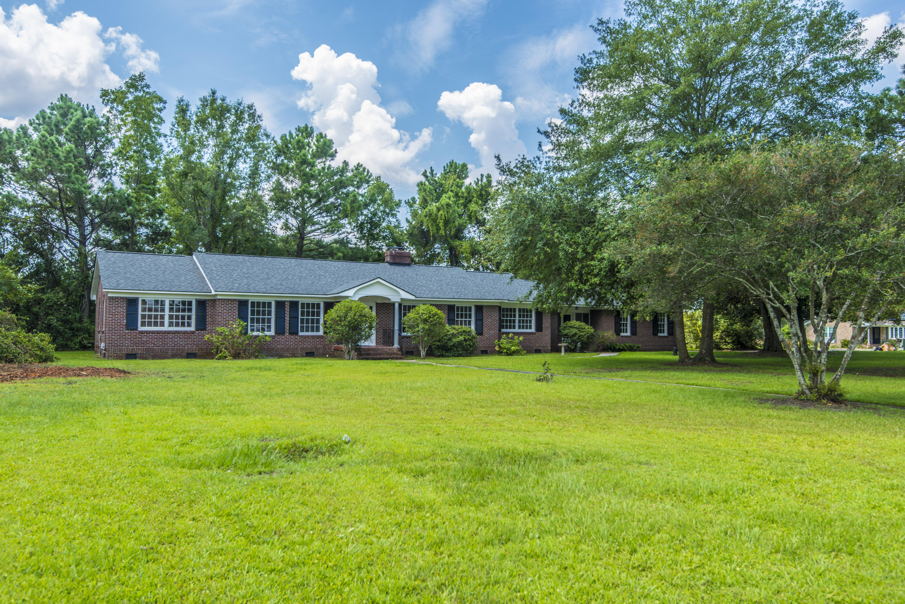 1717 Meyers Road Charleston, SC 29407