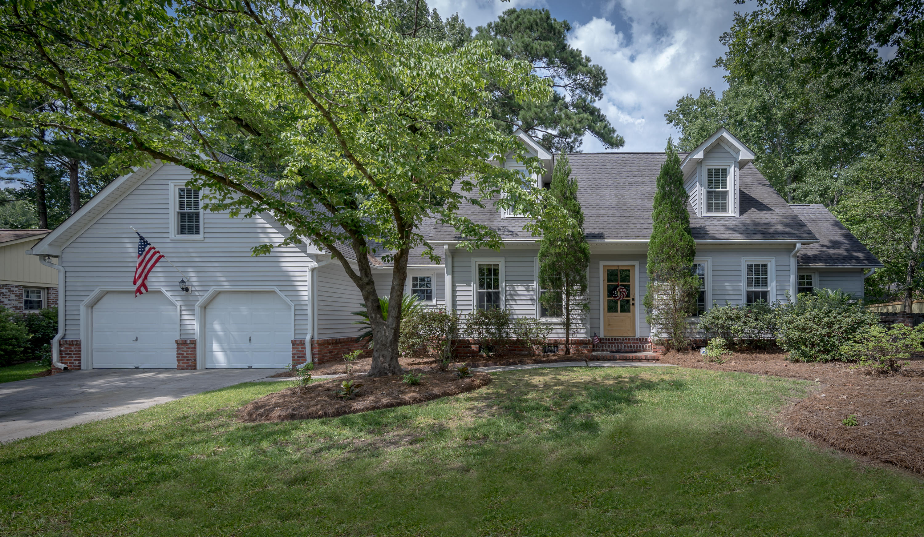 111 Lakeview Drive Summerville, SC 29485