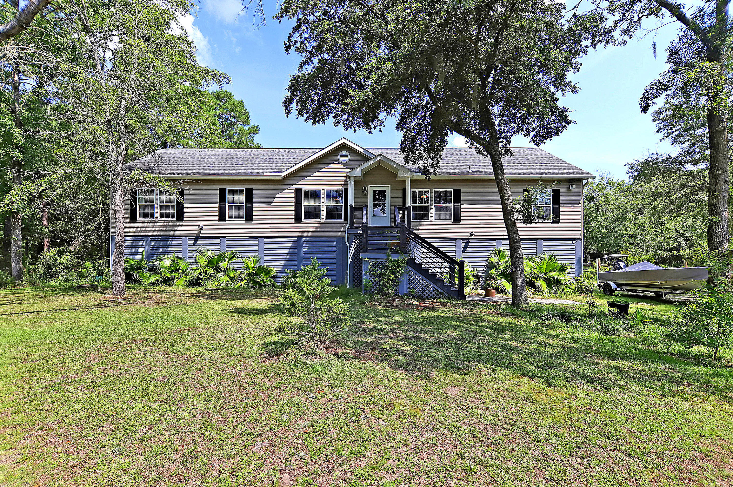 5608 Katy Hill Road Wadmalaw Island, SC 29487