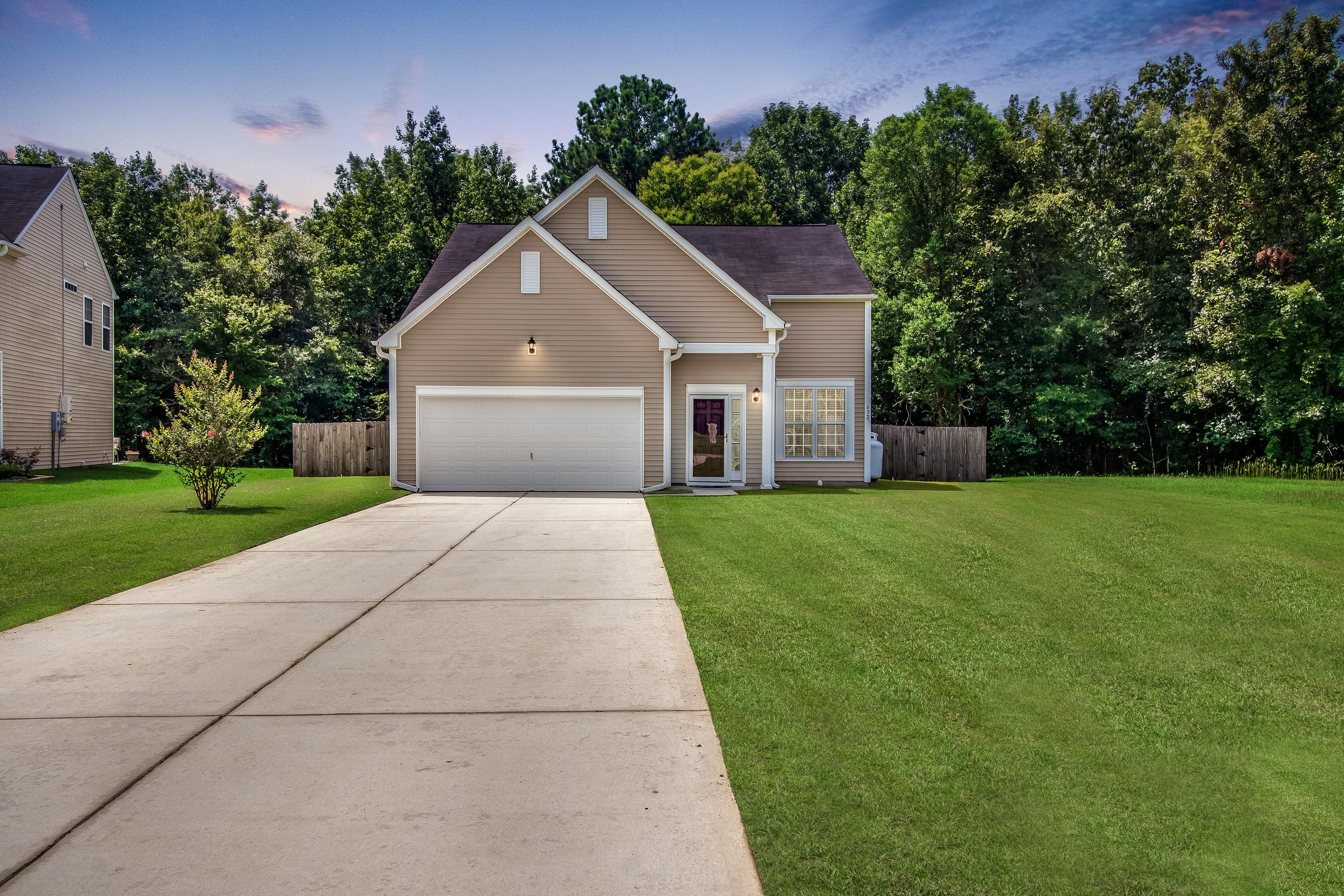 632 English Oak Circle Moncks Corner, SC 29461