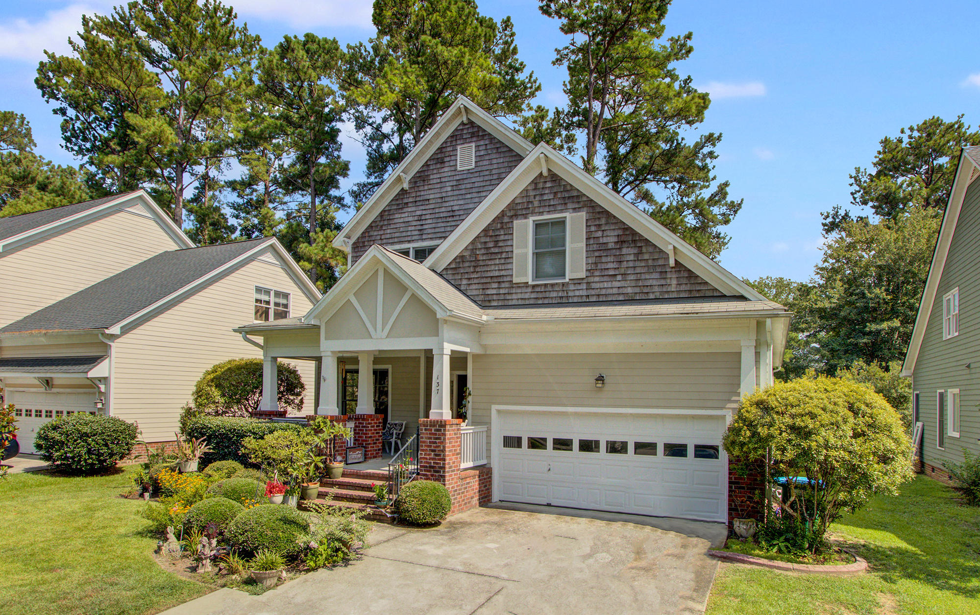 137 Legend Oaks Way Summerville, SC 29485