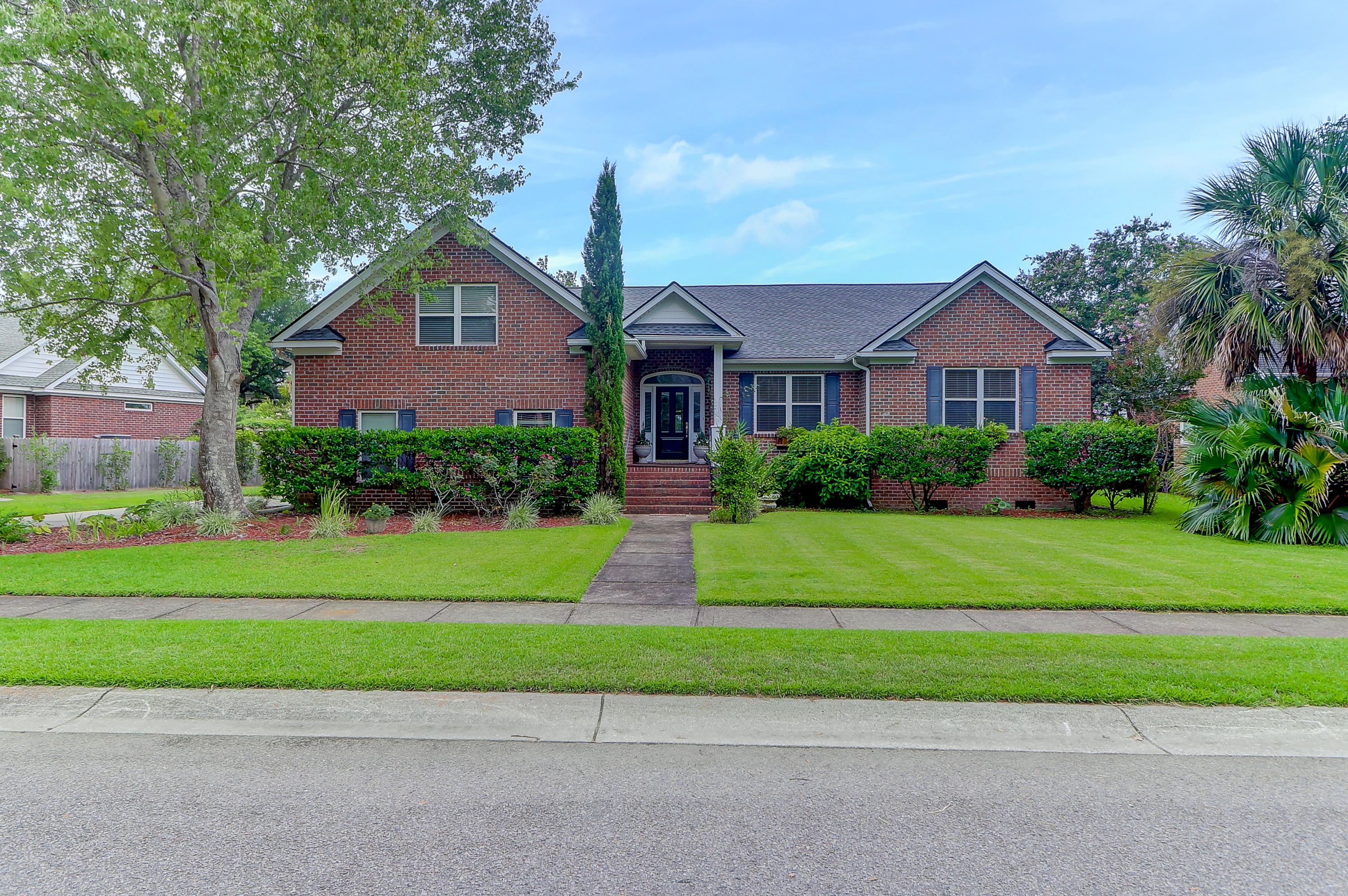 658 Lake Frances Drive Charleston, SC 29412