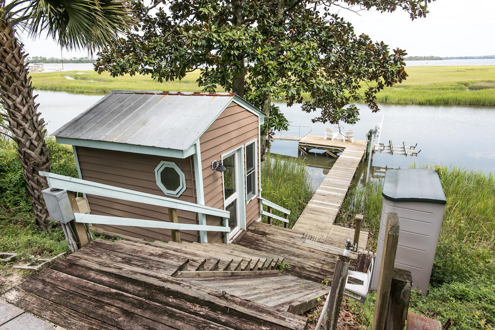 154 Hobcaw Drive Mount Pleasant, SC 29464