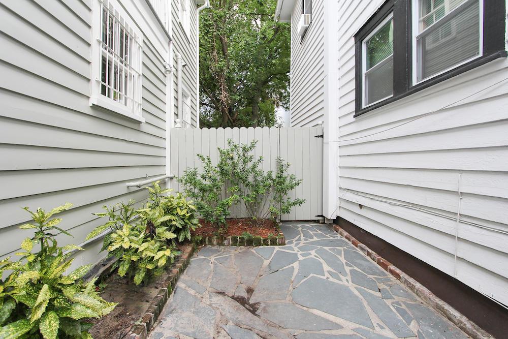 69 Vanderhorst Street Charleston, SC 29403