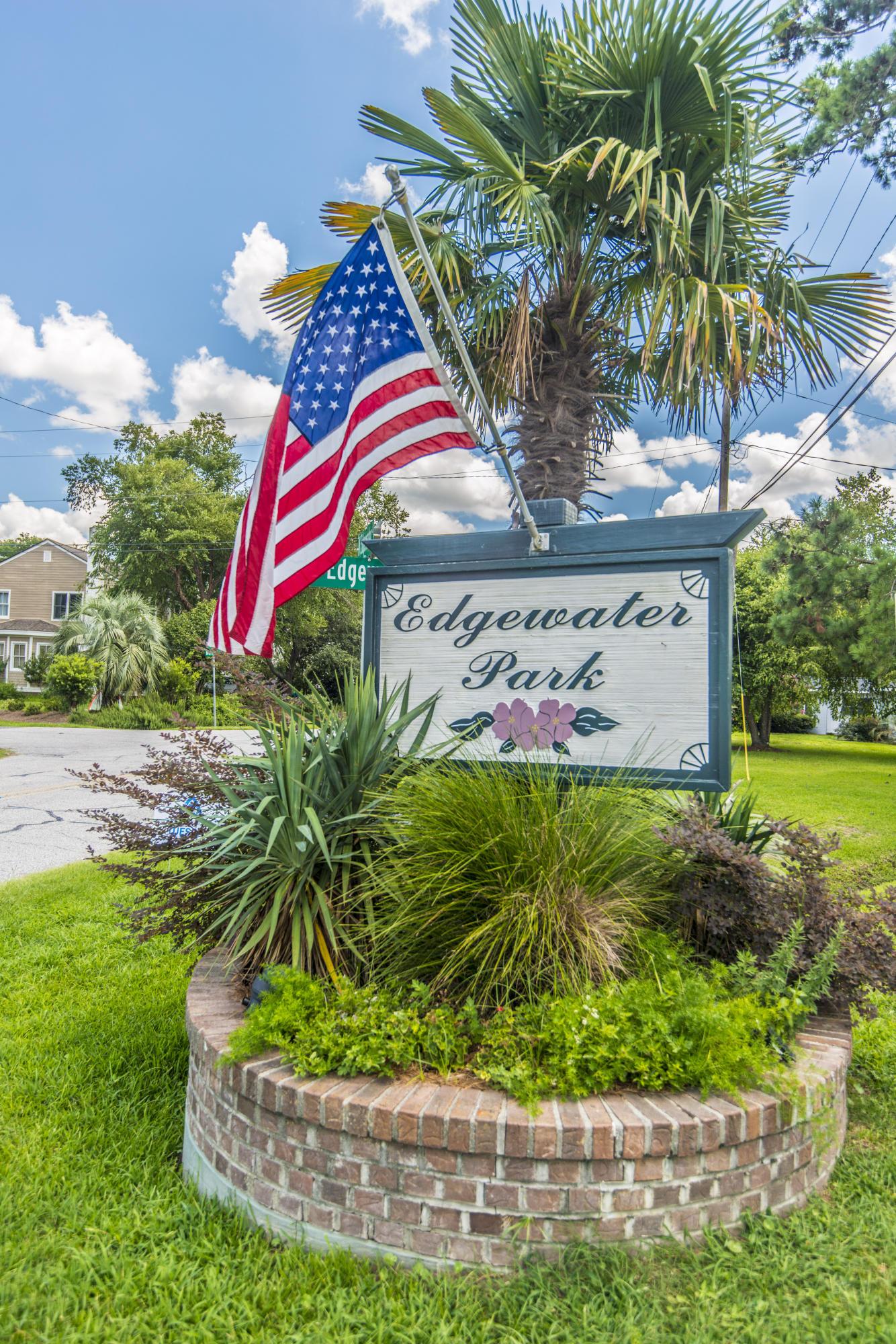1367 N Edgewater Dr Charleston, SC 29407