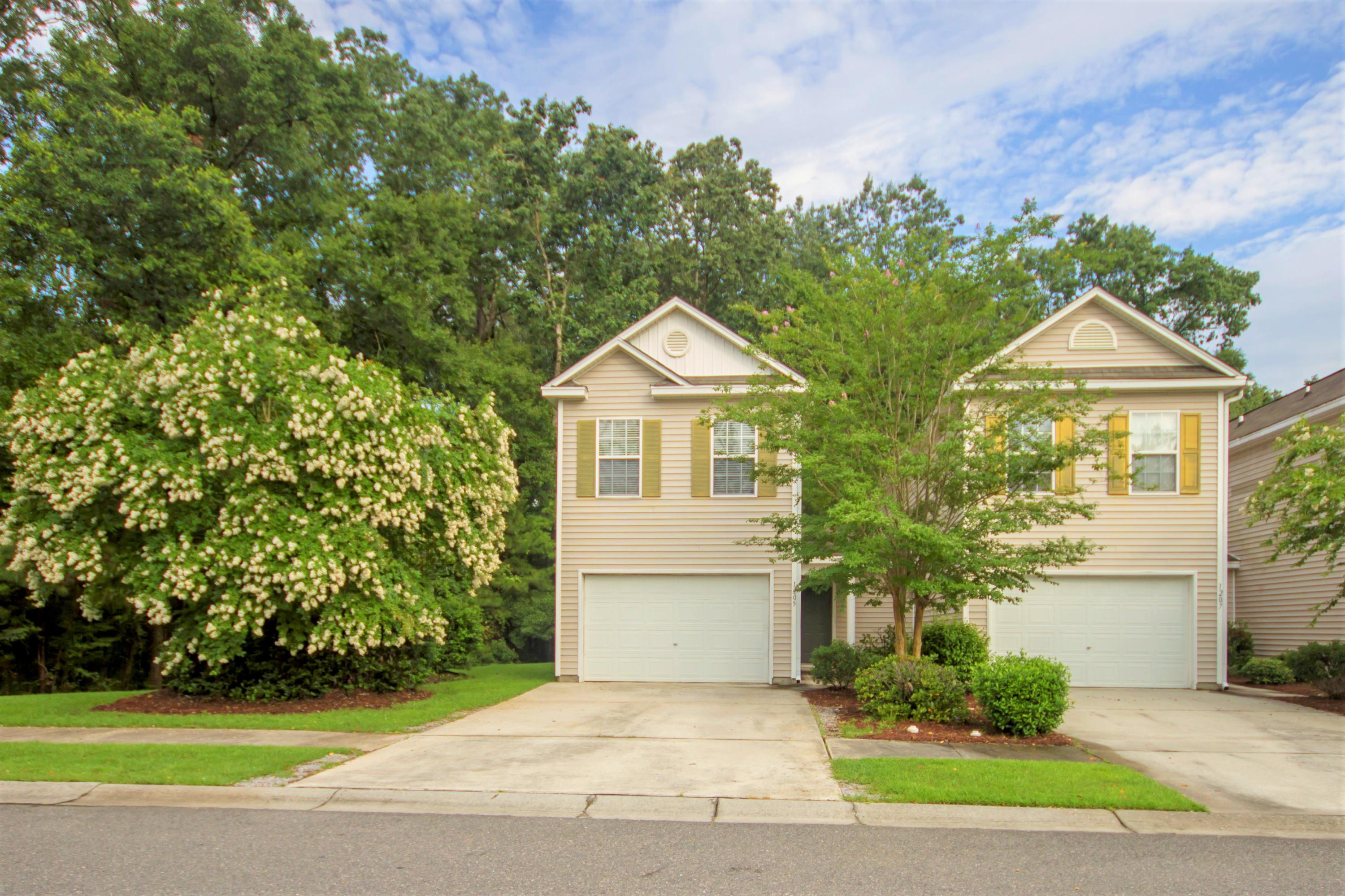 1205 Vistiana Drive North Charleston, SC 29420