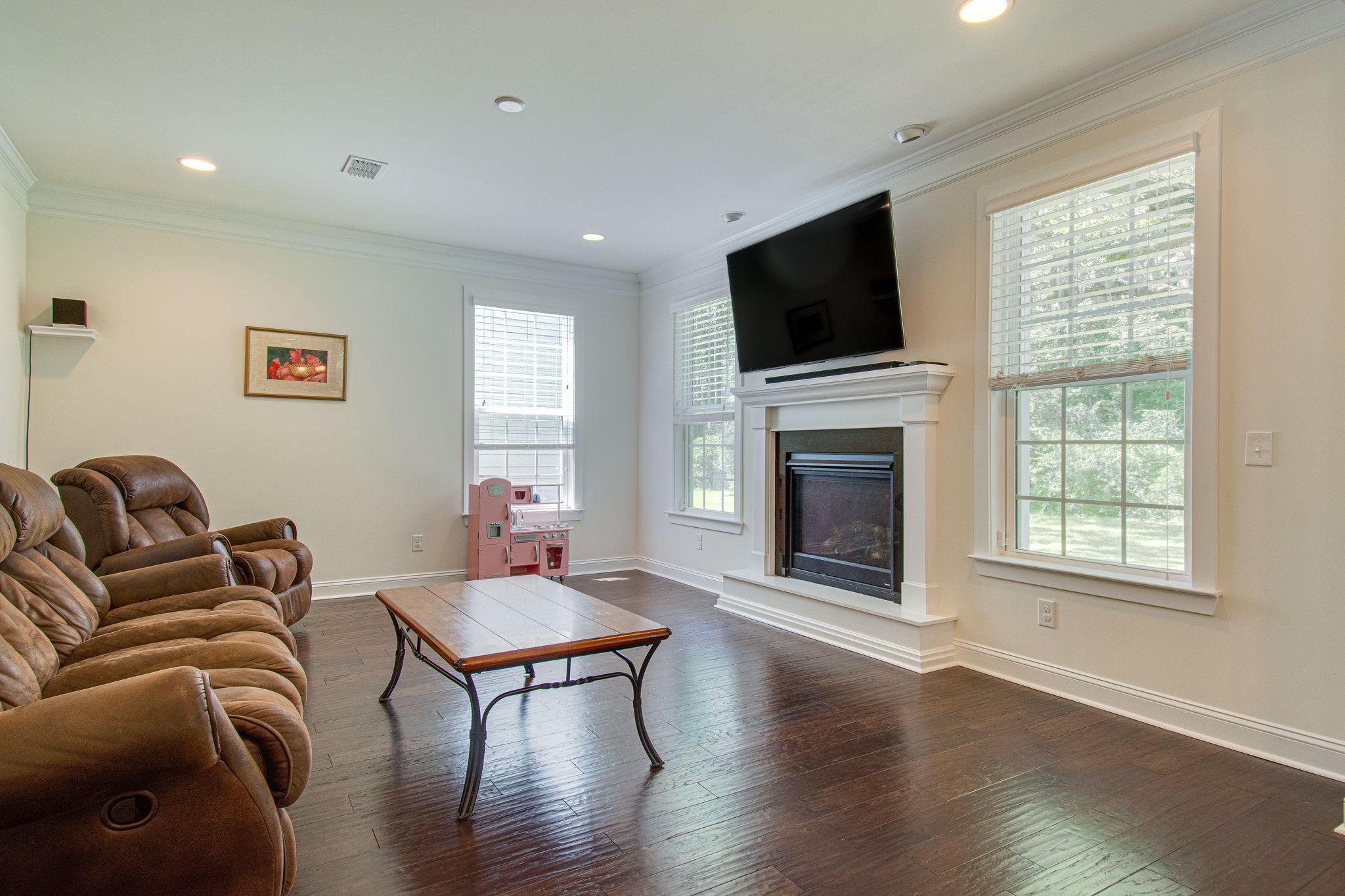 Magnolia Village Homes For Sale - 1261 Pearwood, Mount Pleasant, SC - 10
