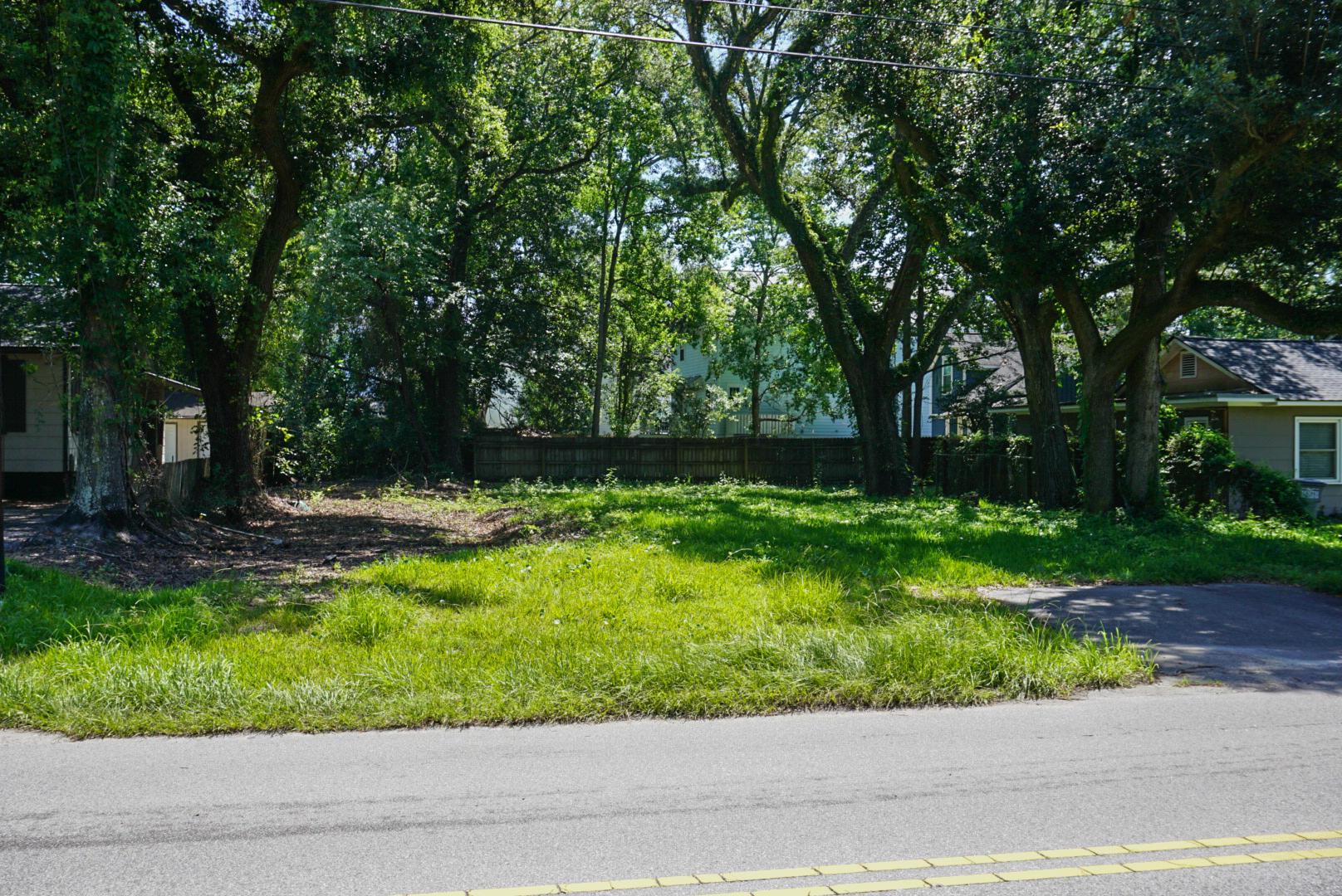 902 S Rhett Avenue North Charleston, SC 29405