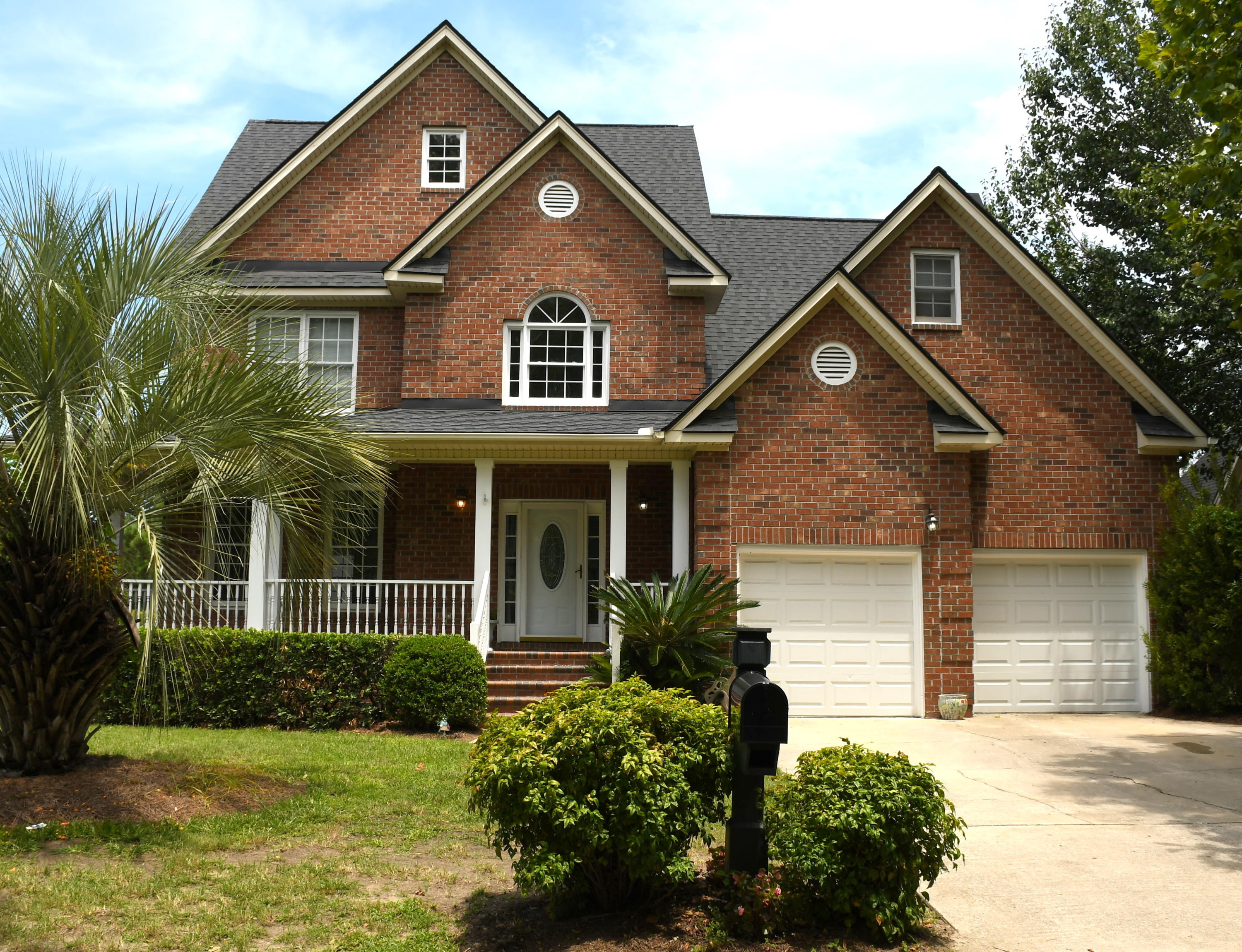 2711 Waterpointe Circle Mount Pleasant, SC 29464