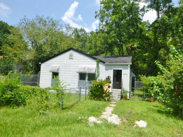2760 Houston Street North Charleston, SC 29405
