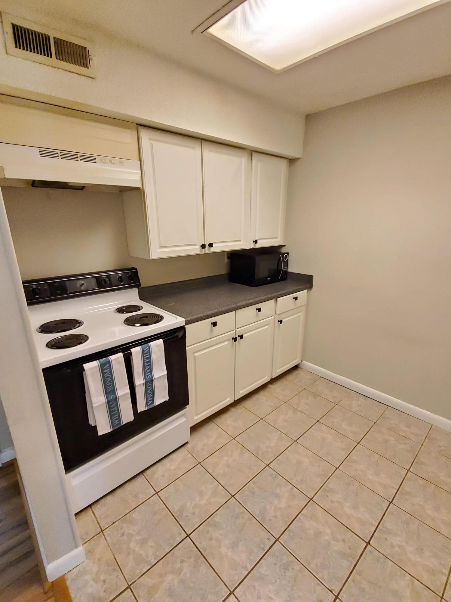 Snee Farm Homes For Sale - 105 Ventura, Mount Pleasant, SC - 17