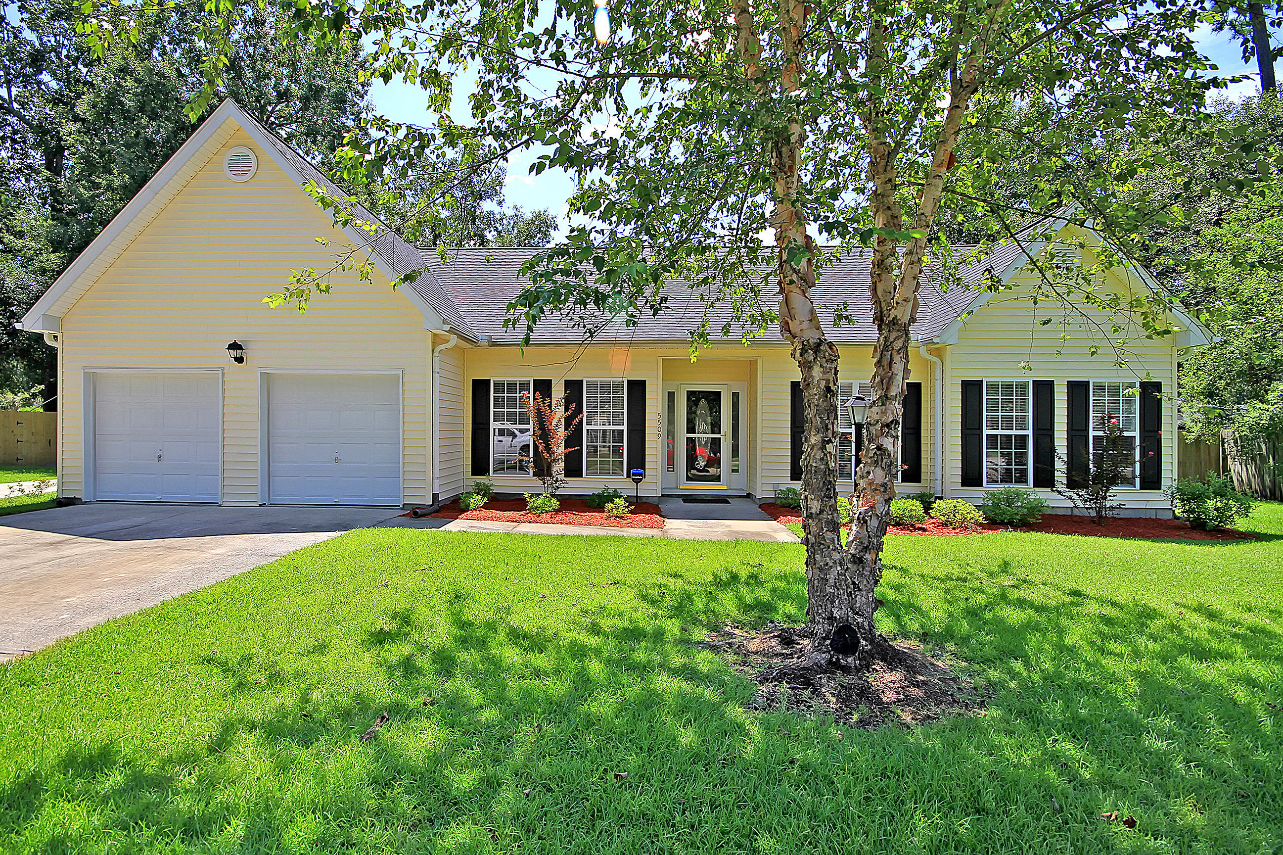 5509 Rowsham Place North Charleston, SC 29418