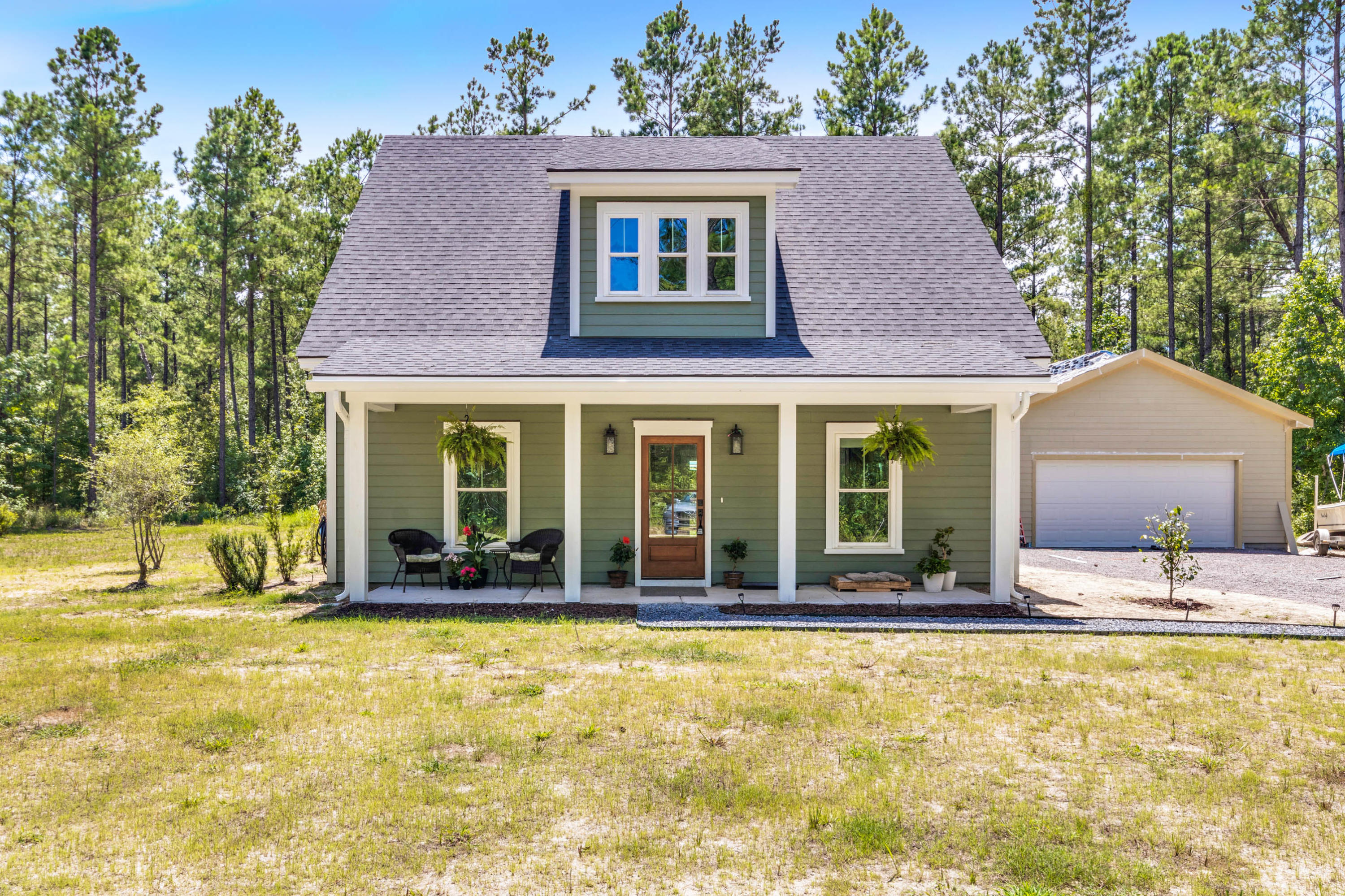 1377 Bootsie Way Mcclellanville, SC 29458