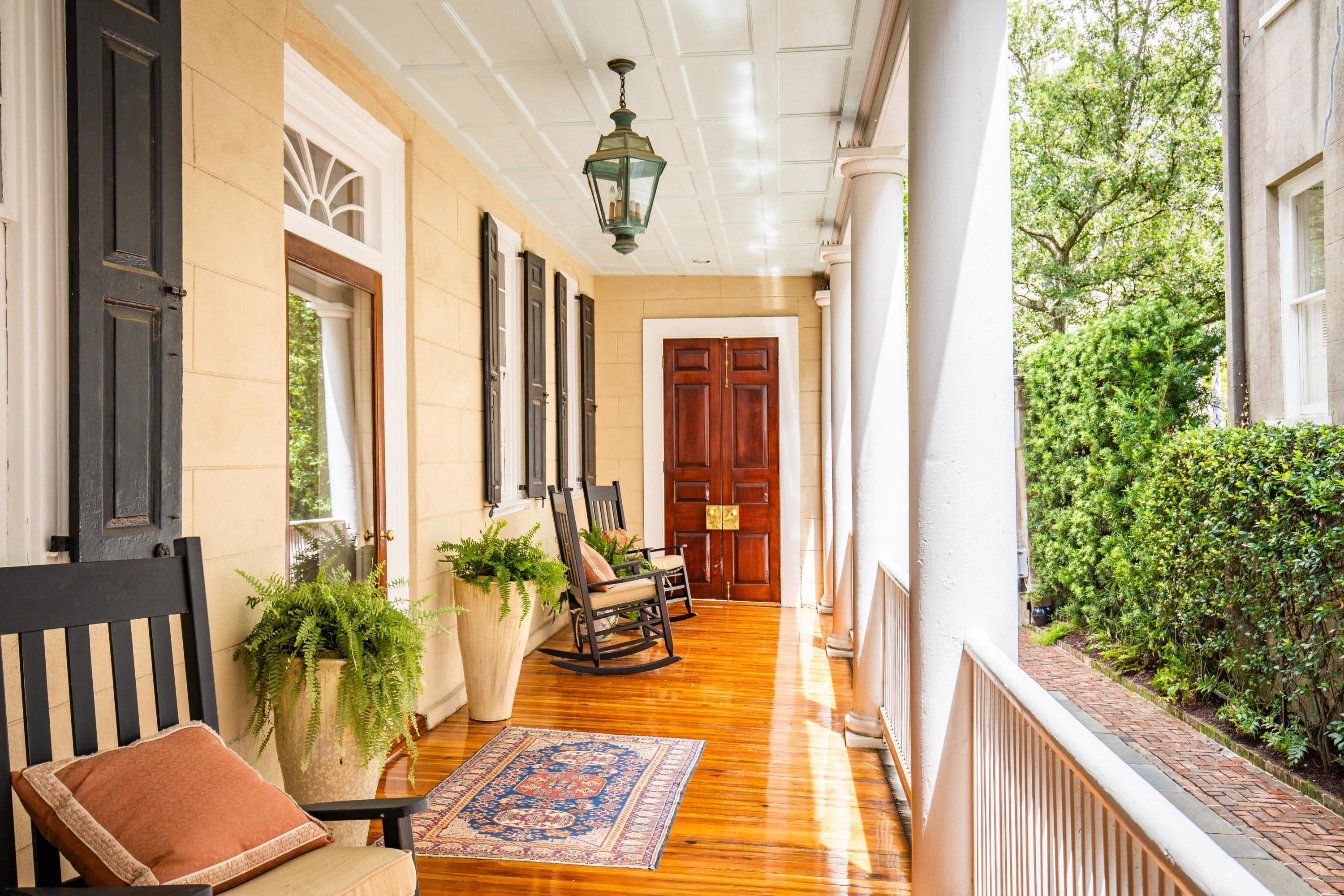 39 Meeting Street Charleston, SC 29401