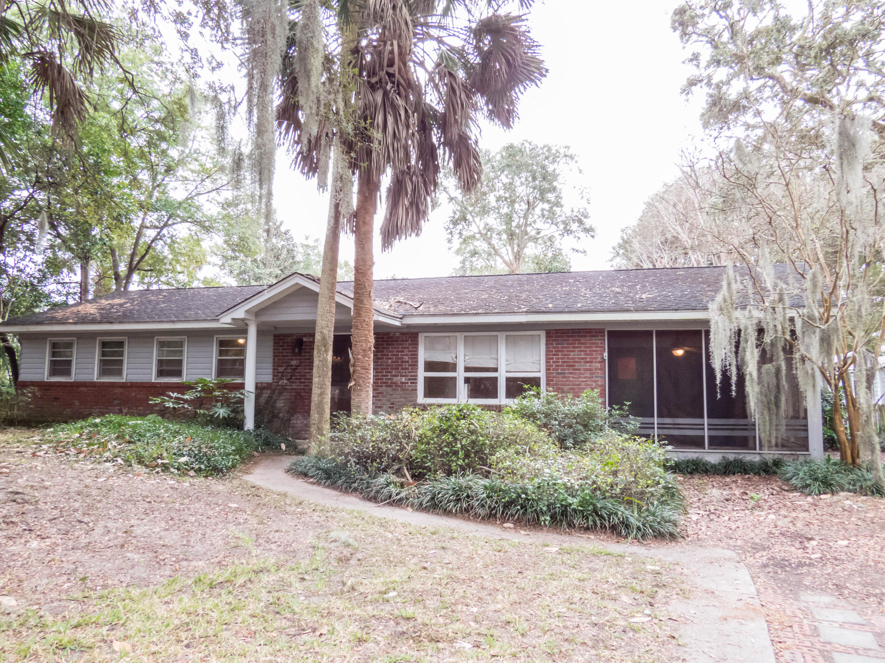 215 Forest Trail Isle Of Palms, SC 29451