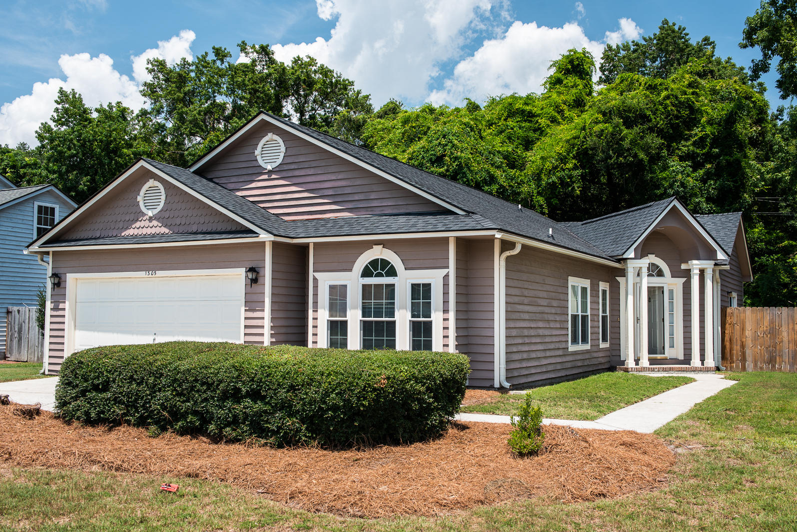 1305 Llewellyn Road Mount Pleasant, SC 29464