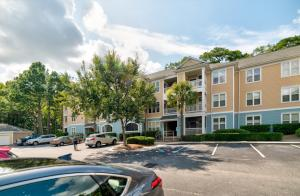 400 Bucksley Lane, Charleston, SC 29492